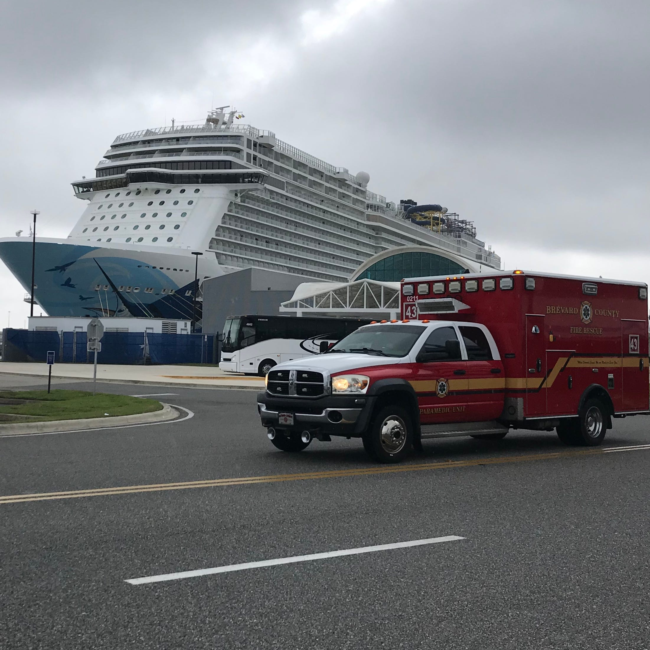 115 mph 'extreme' wind slams into Norwegian cruise ship, injuring passengers and crew