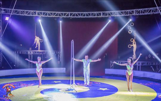 The Garden Bros Circus.