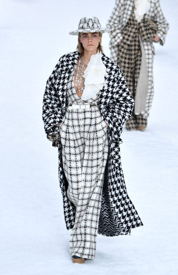 Cara Delevingne's runway look.