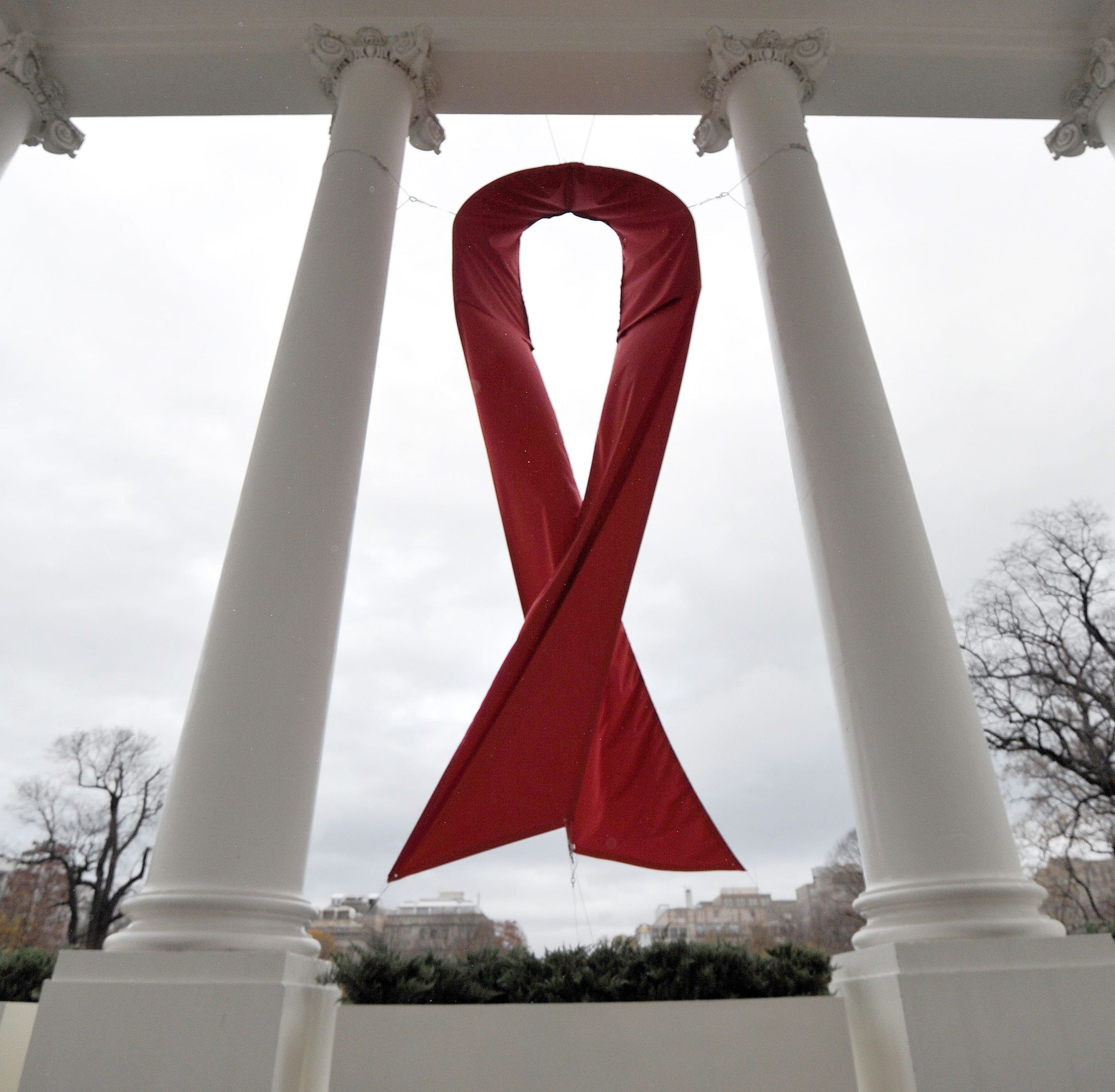 HIV patient seemingly cured in remarkable case, London doctors report