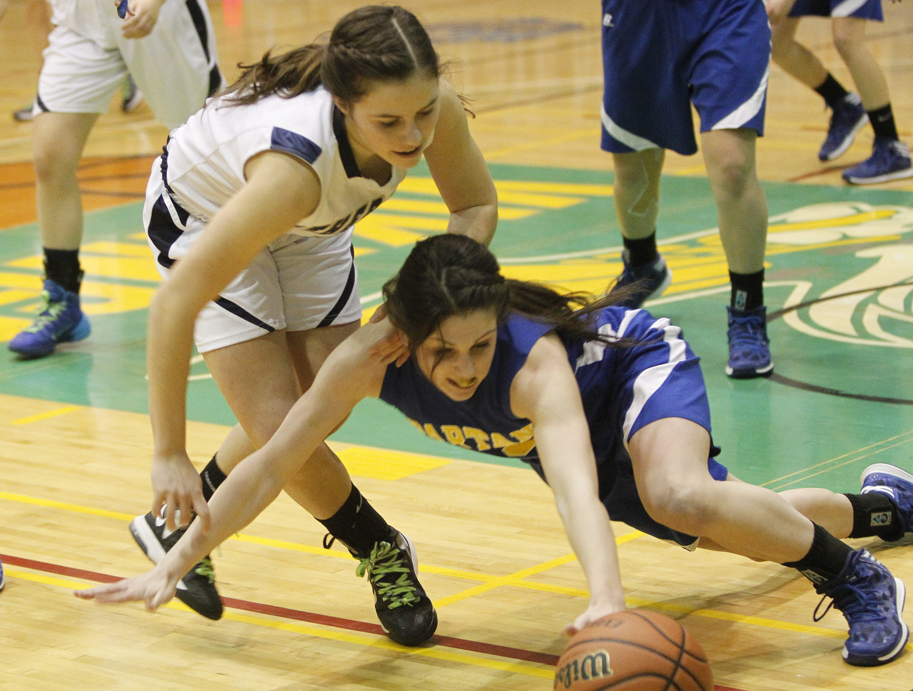 2014: Pittsford Sutherland's Allie Panara, left, and Maine-Endwell's Victoria Dean go after a loose ball. Dean finished with four points.