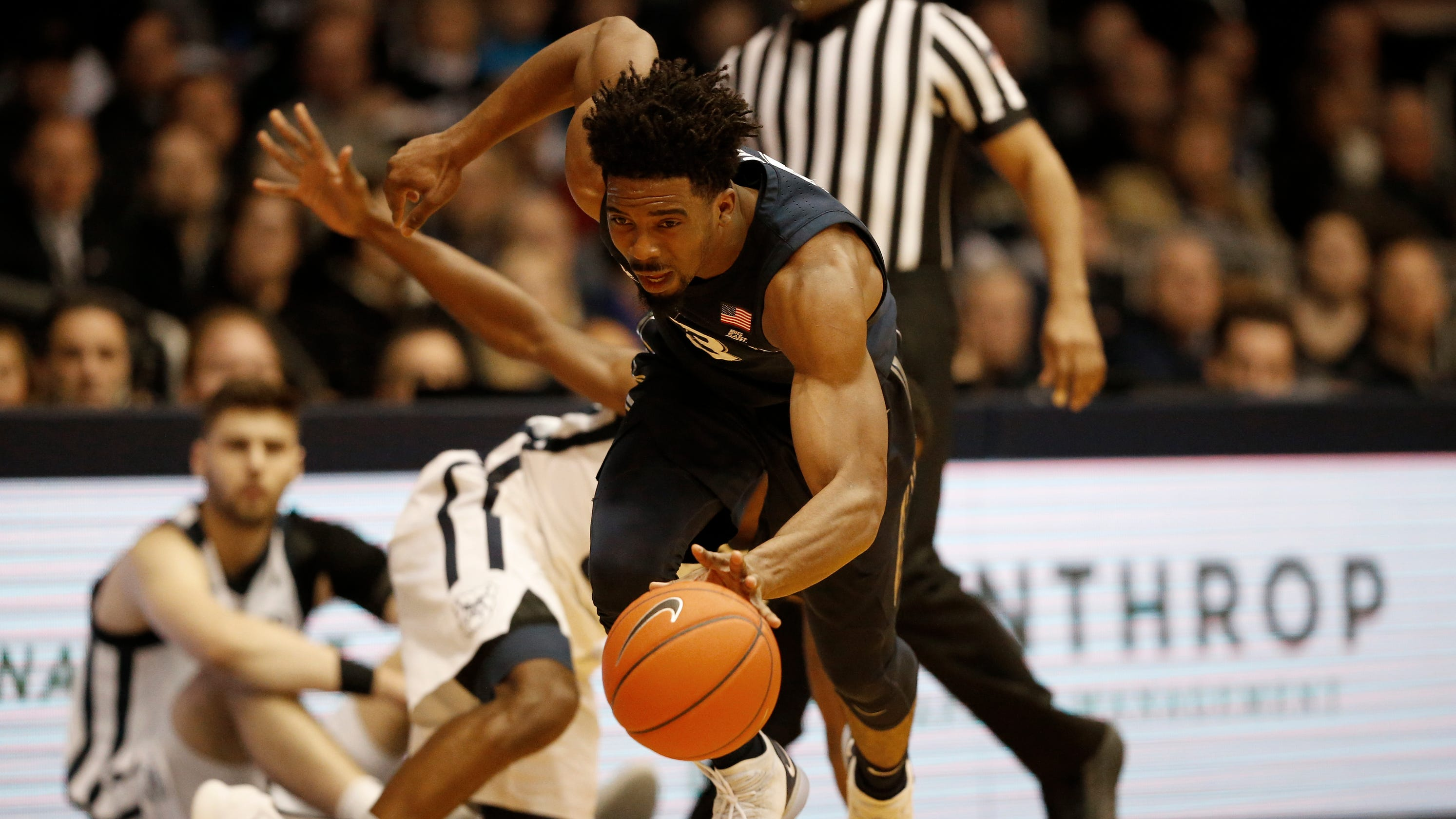 1c910fe3d93 Butler snaps Xavier s win streak in front of a packed Hinkle Fieldhouse