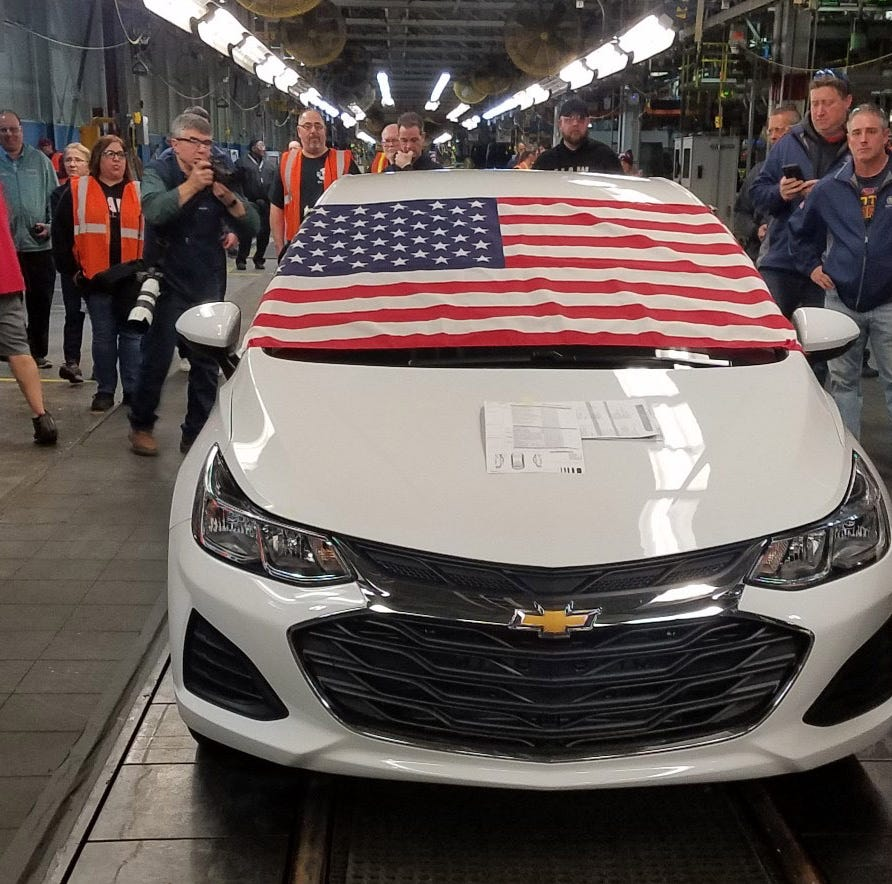 Trump can't bully GM to reopen plants, industry experts say