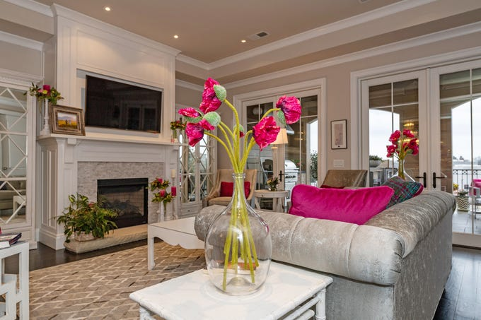 Marsha Elrod's downtown home is full of light and style.