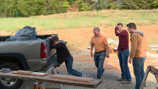 "Lawson, Gil, Trace and Nathan Bates talk on an episode of ""Bringing Up Bates."""