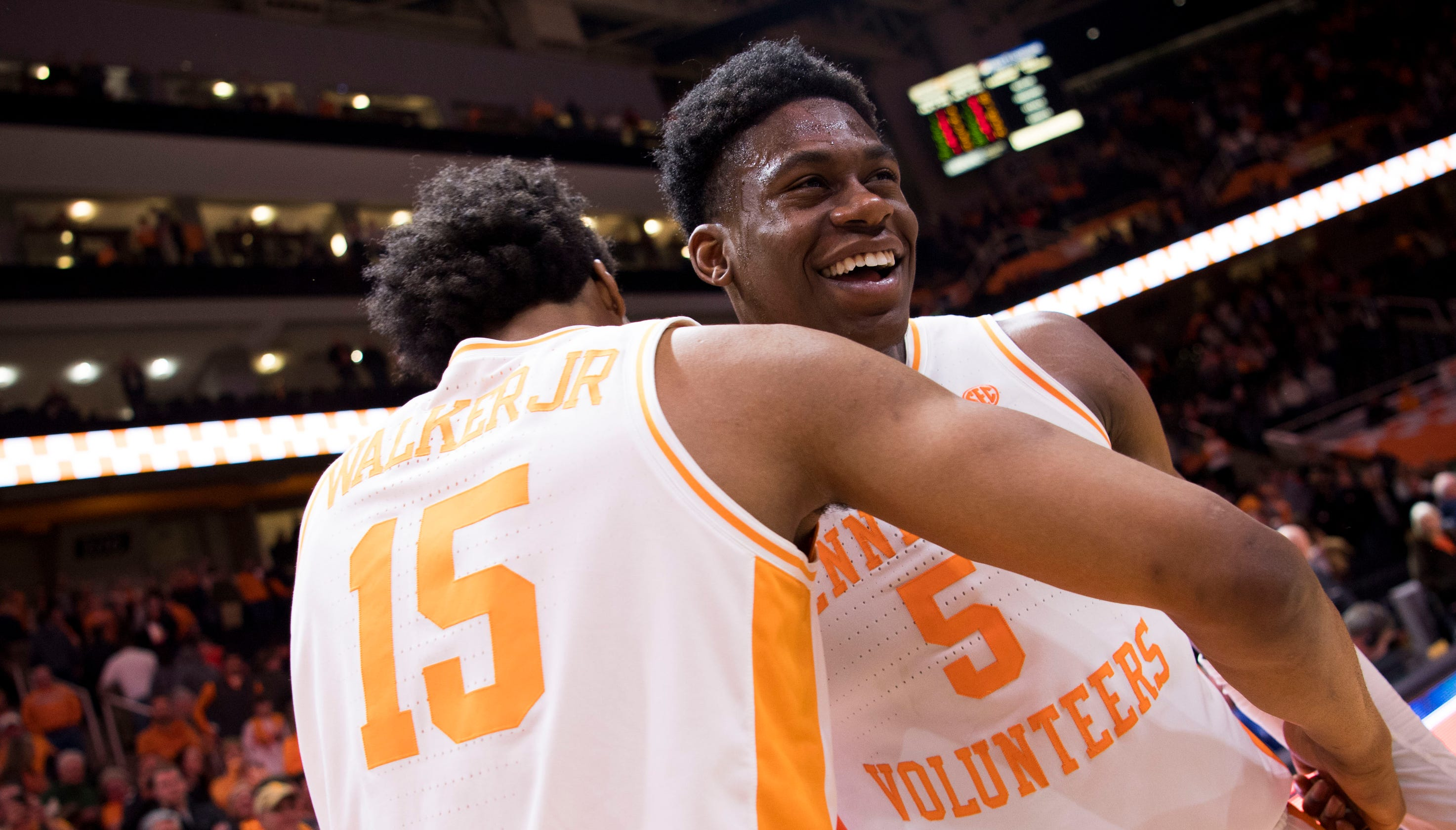 Tennessee Basketball Rolls Mississippi State Behind Admiral
