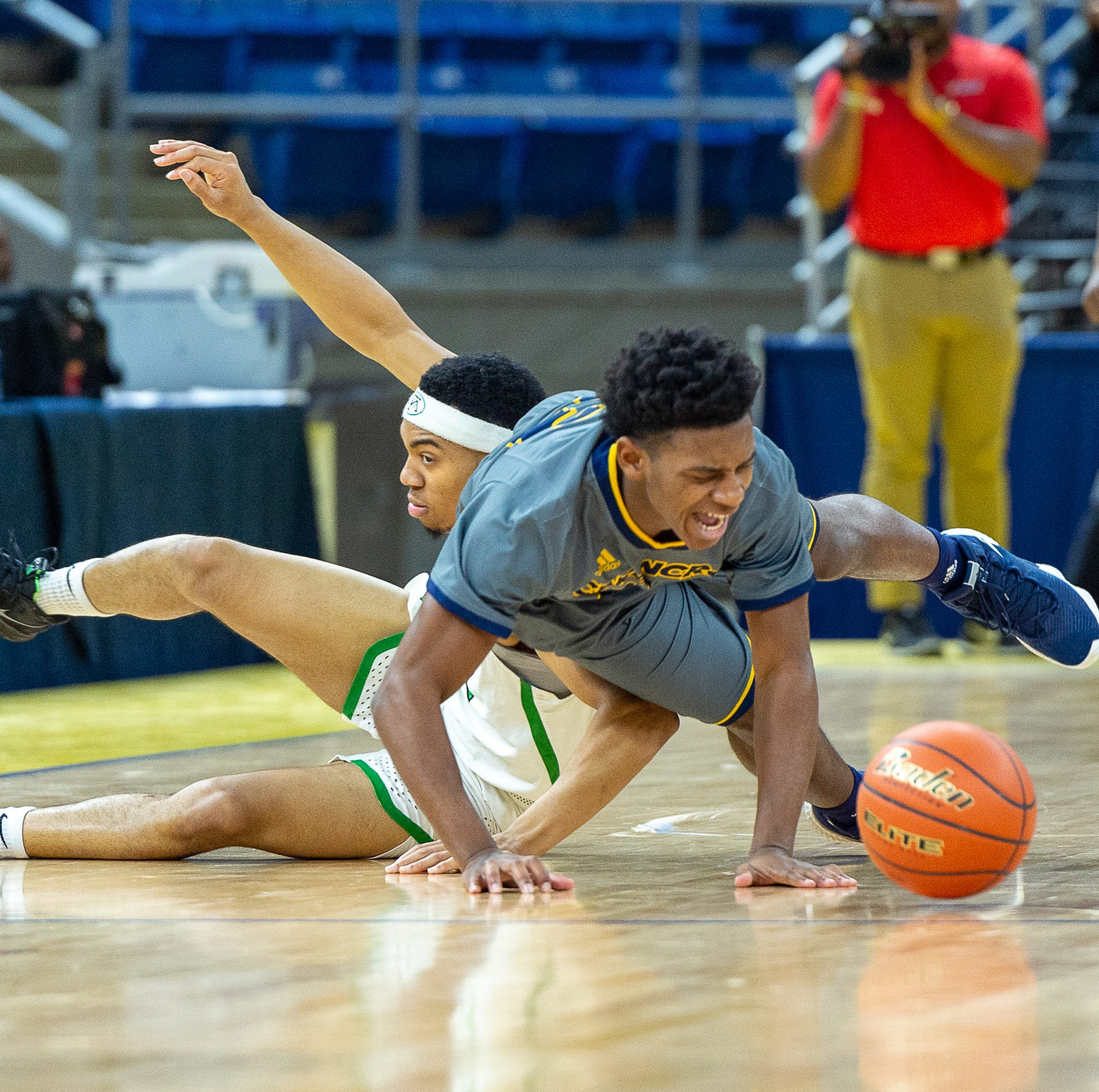Carencro routed by Bossier 67-39