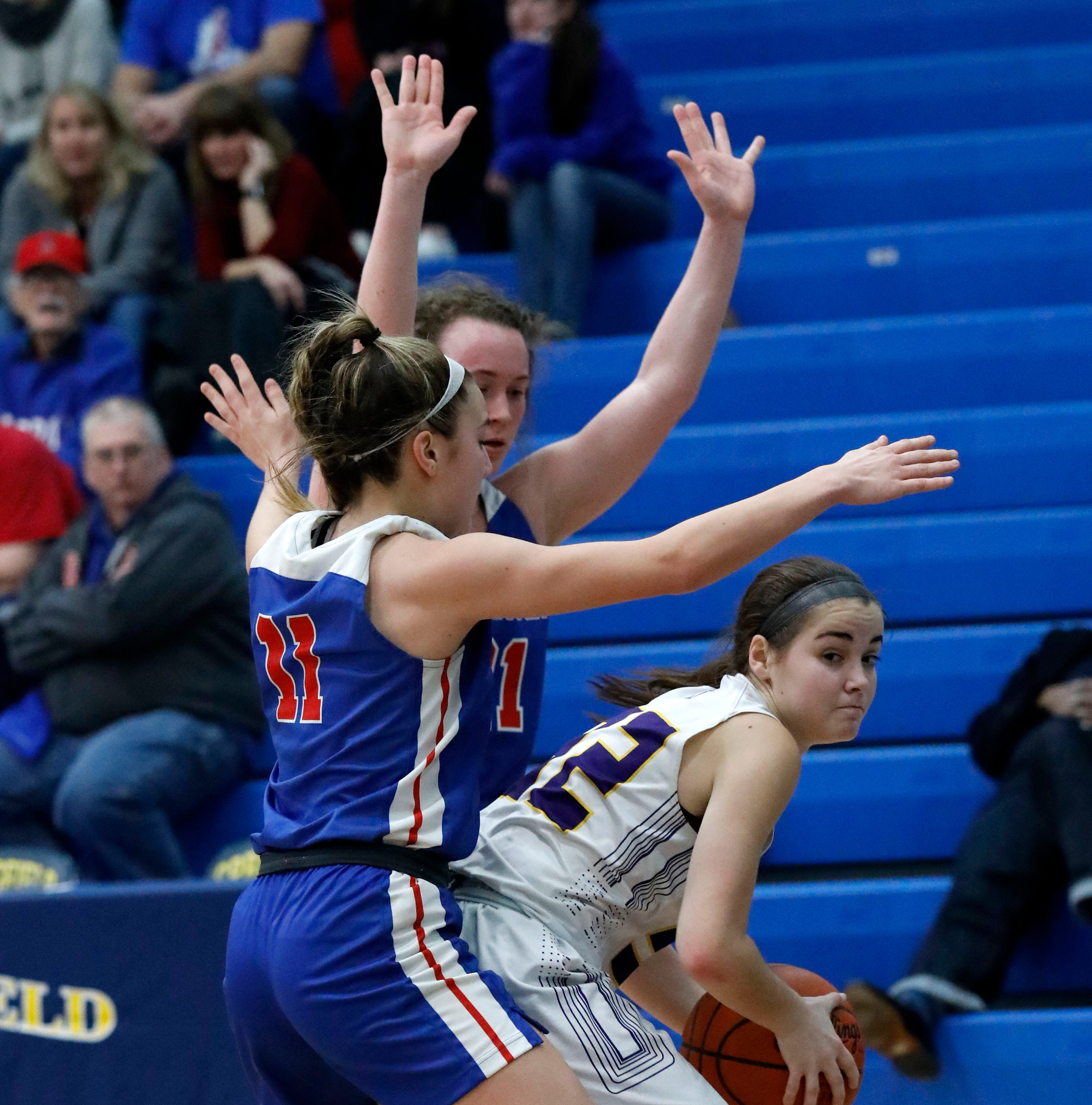 Bloom-Carroll rally falls short against top team in the state