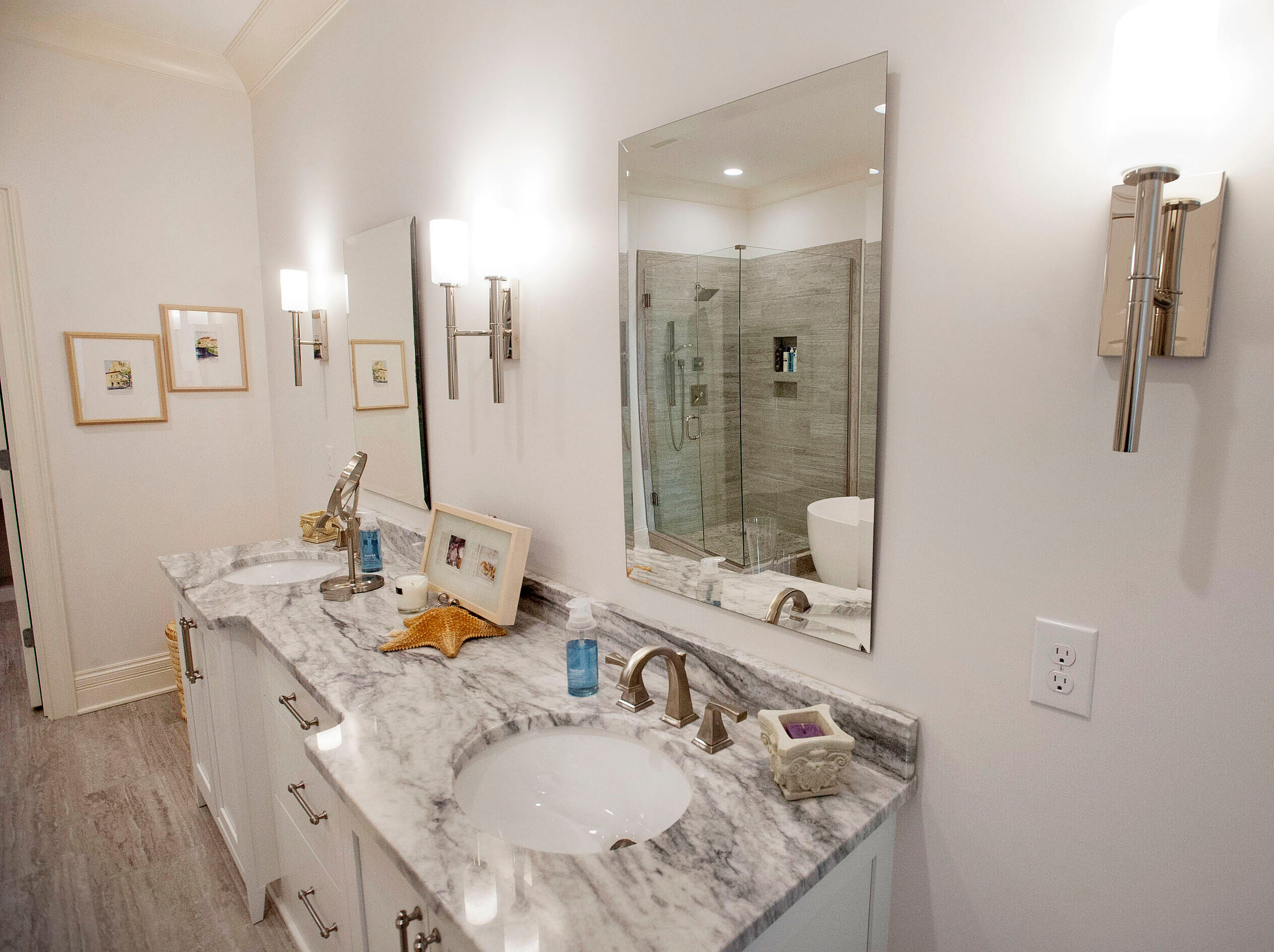 The master bathroom of Denise Puthuff's condominium.
