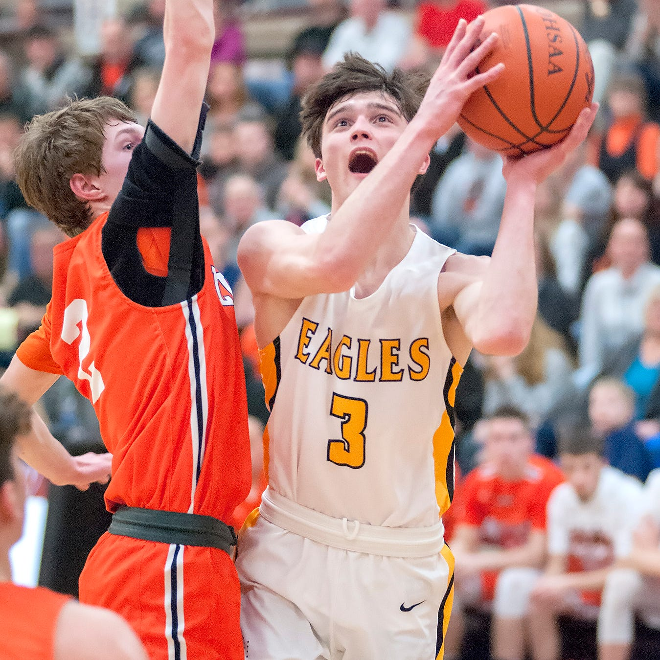 Experience lifts Colonel Crawford over Lucas; Eagles to battle for a district crown again