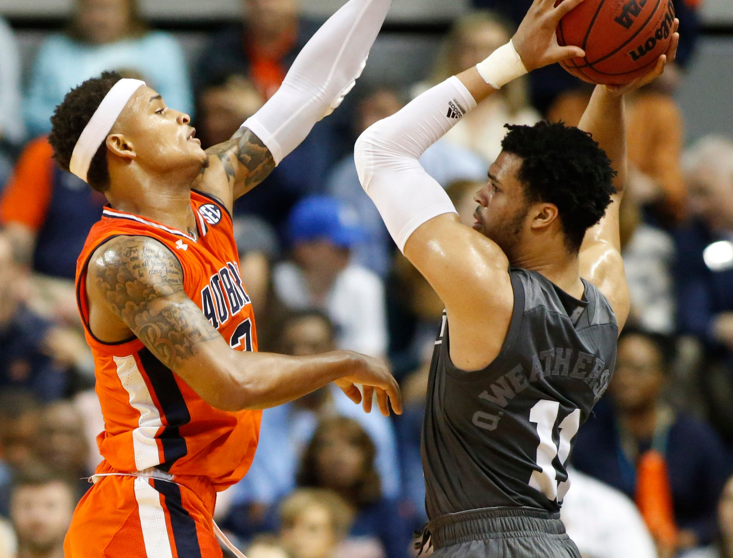 Mar 2, 2019; Auburn, AL, USA; Mississippi State Bulldogs guard Quinndary Weatherspoon (11) is pressured by Auburn Tigers guard Bryce Brown (2) during the second half at Auburn Arena. Mandatory Credit: John Reed-USA TODAY Sports