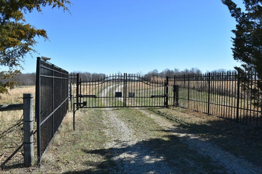 Luke Perry's nearly 400-acre property in Dickson County.