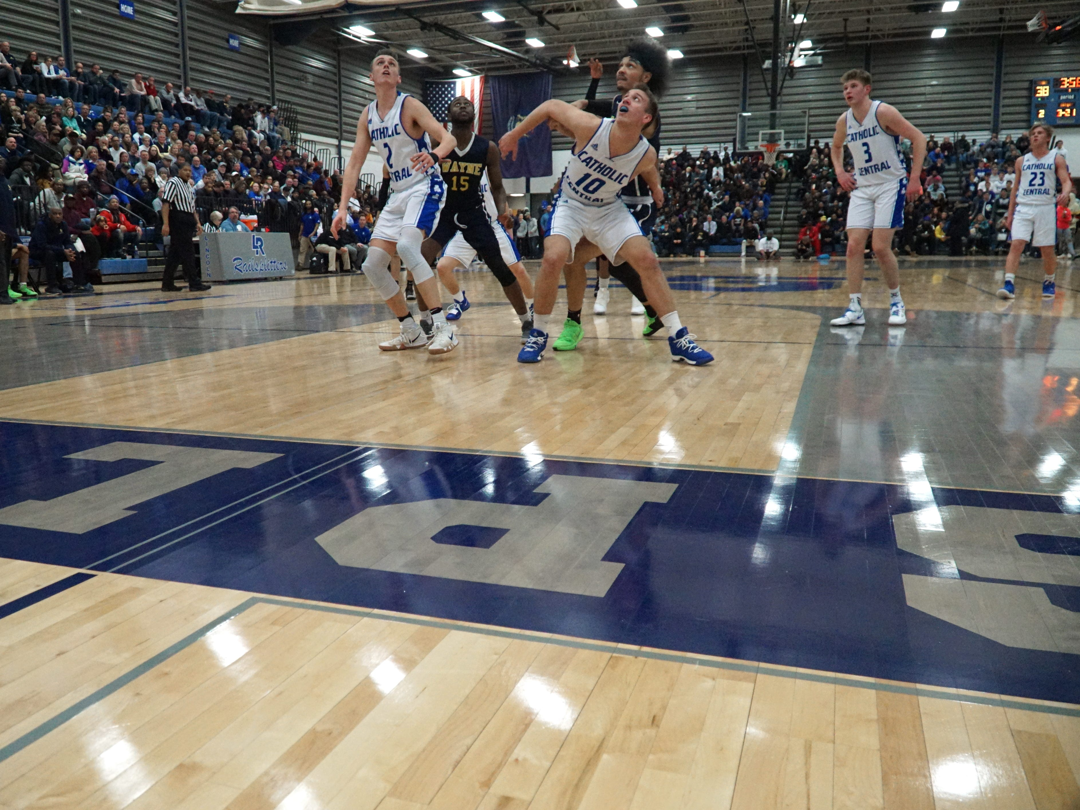 Detroit Catholic Central and Wayne Memorial met at Lincoln Consolidated High School.