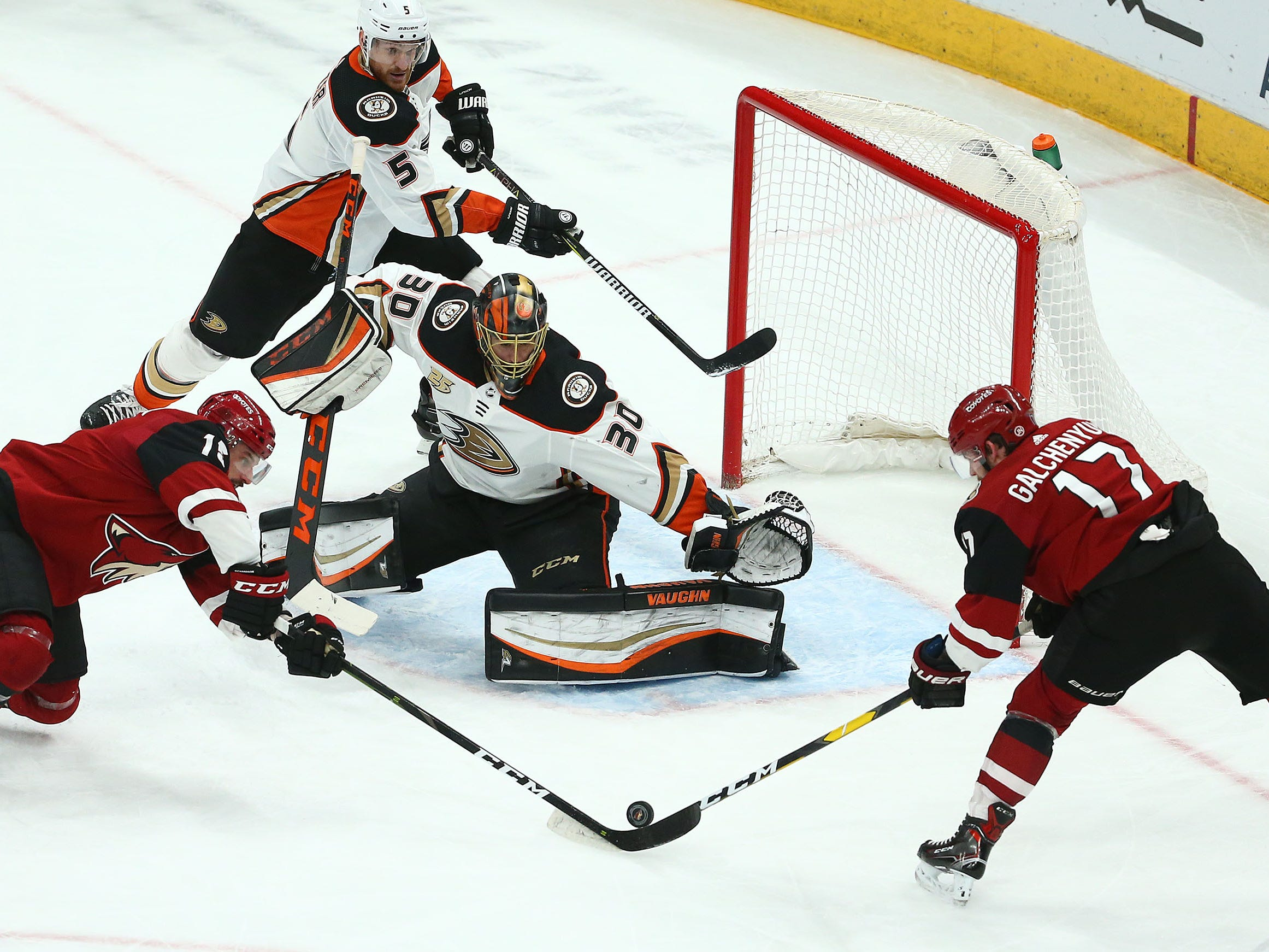 Arizona Coyotes center Alex Galchenyuk (17) shots and misses against Anaheim Ducks goaltender Ryan Miller (30) in the first period on Mar. 5, 2019, at Gila River Arena in Glendale, Ariz.