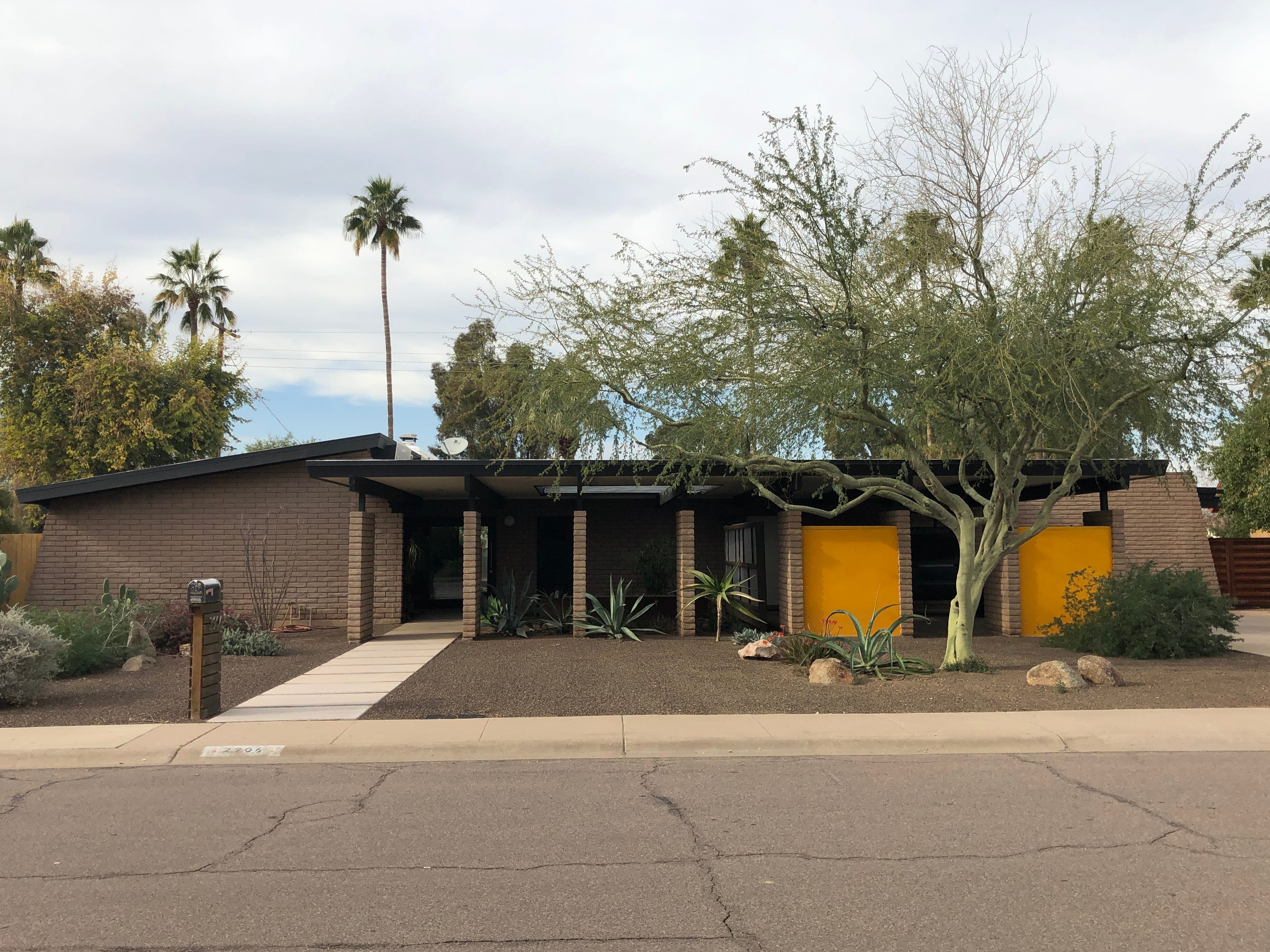 Daryl Vierra's Shalimar Golf Course-area home in Tempe was built in 1963, by the family of the late Sam Stapley of the historic O.S. Stapley Company hardware and equipment business.