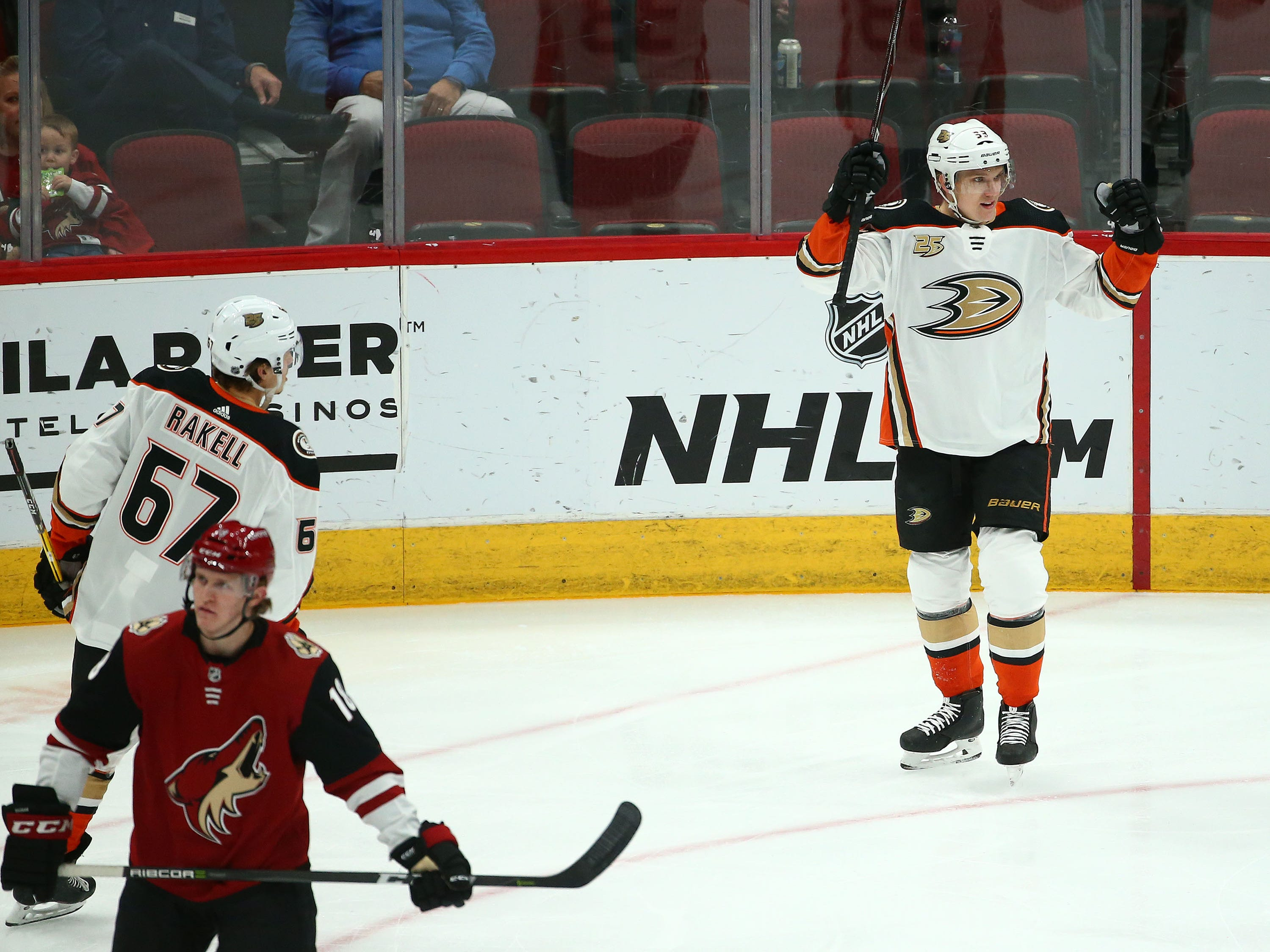Anaheim Ducks right wing Jakob Silfverberg (33) celebrates his goal against Arizona in the first period on Mar. 5, 2019, at Gila River Arena in Glendale, Ariz.