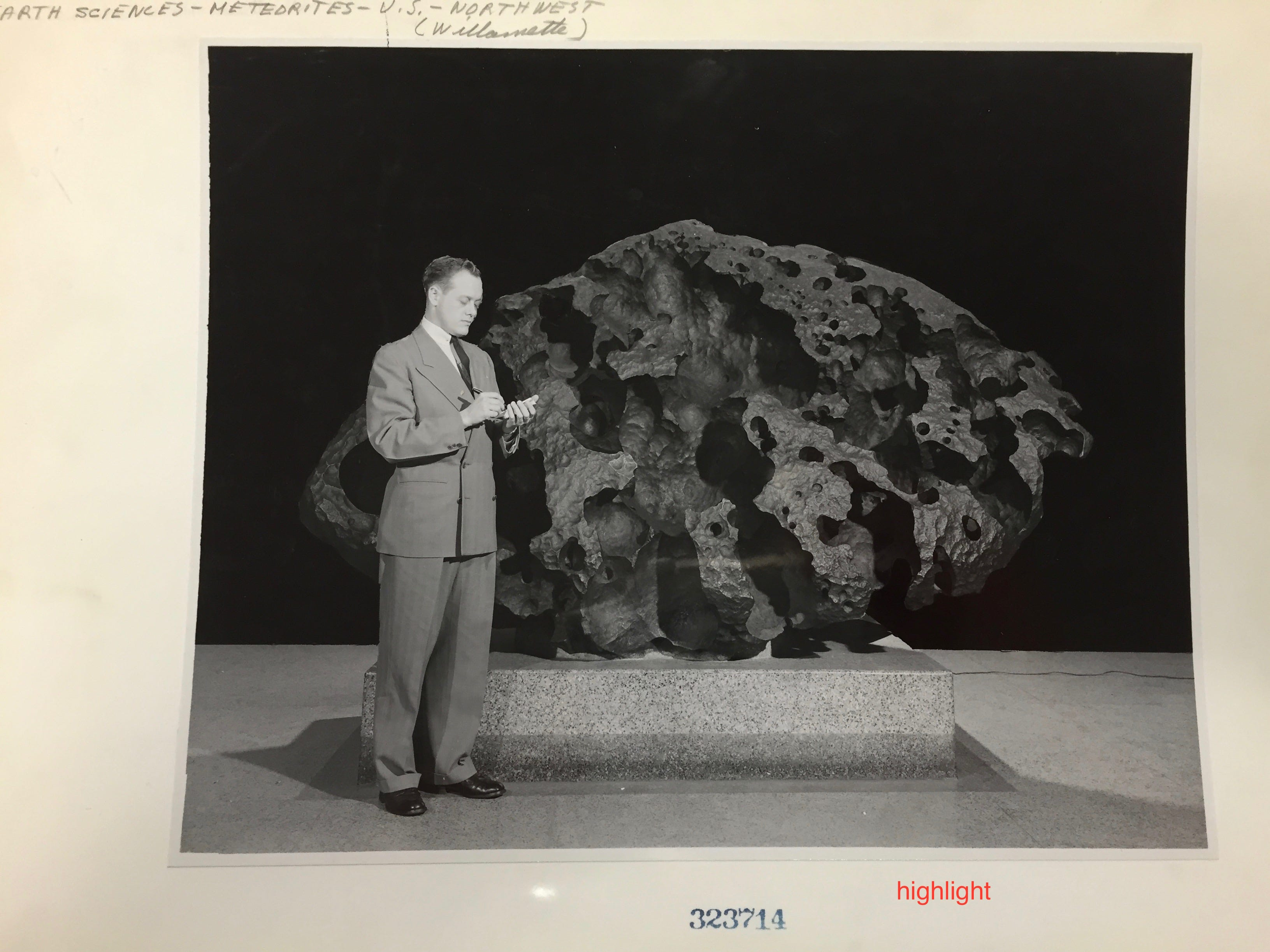 The Willamette Meteorite, or Tomanowos, has been on continuous display at the American Museum of Natural History in New York City since 1906.