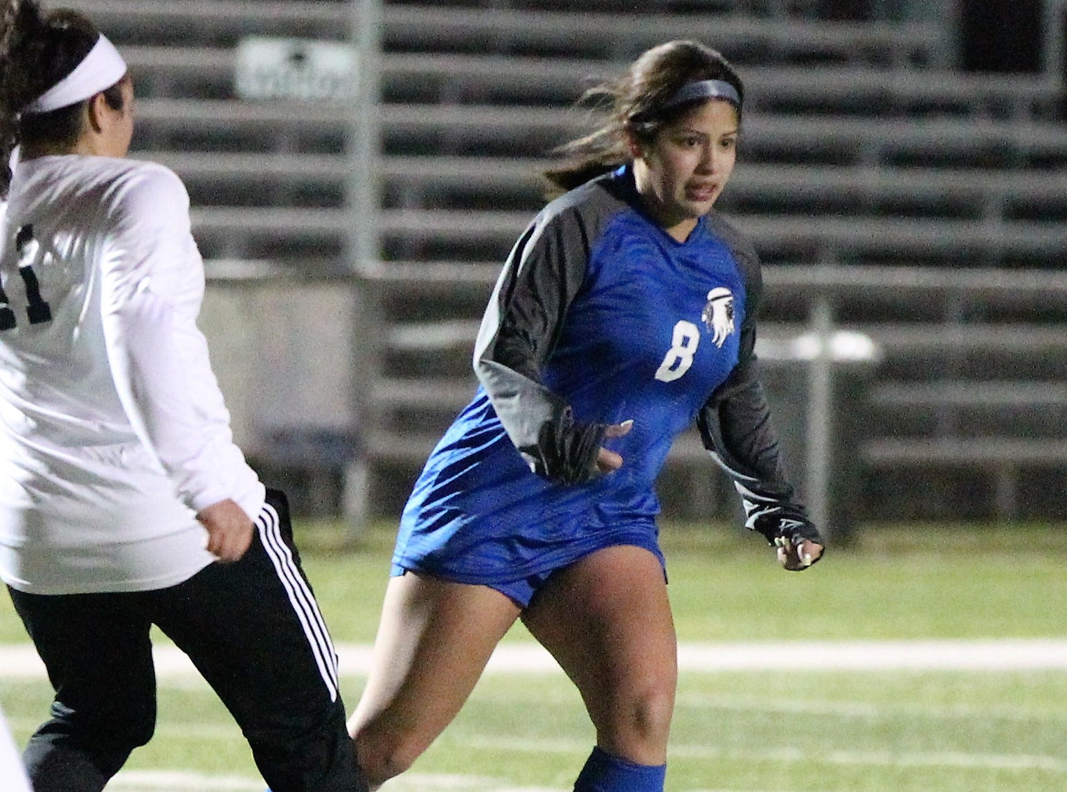 Lake View's Ariana Rangel controls the ball in a District 4-4A soccer match against Snyder at Old Bobcat Stadium on Tuesday, March 5, 2019.