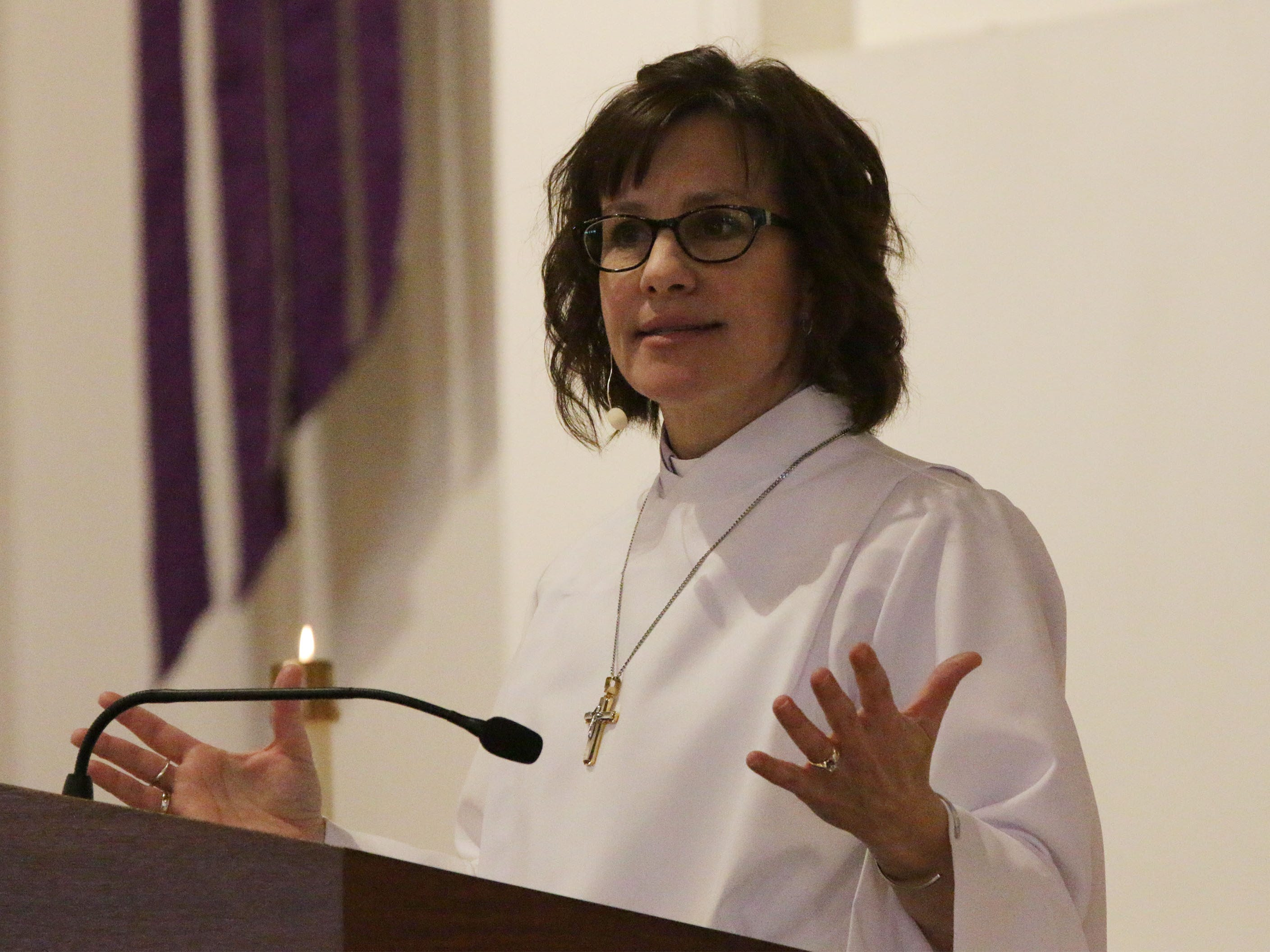 Pastoral intern Tina Kieckhafer gives the message during Ash Wednesday service at First United Lutheran Church, Wednesday, March 6, 2019, in Sheboygan, Wis.