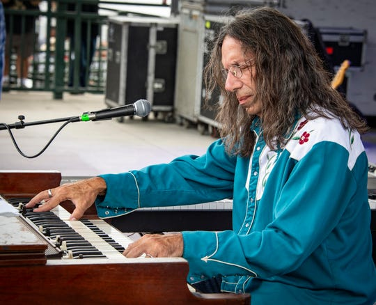 Keyboard wizard Bruce Katz brings his red-hot band to the Bradfordville Blues Club Friday.
