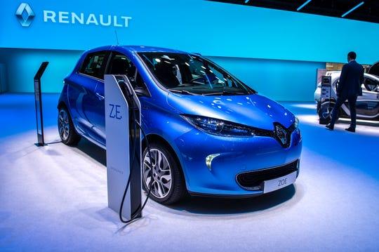Renault ZOE is displayed.