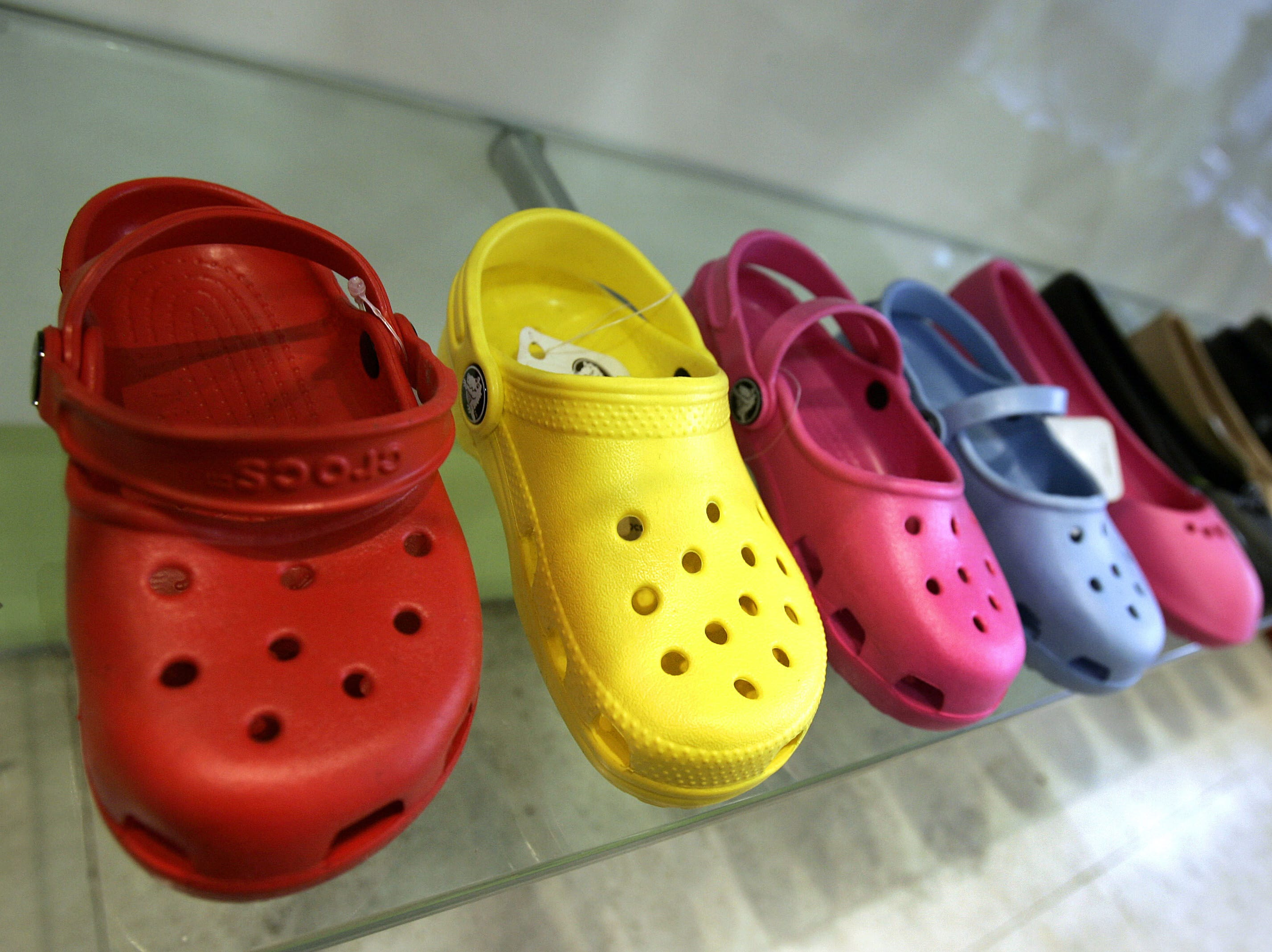 After Vans Challenge, Crocs Challenge has people throwing more shoes on Twitter