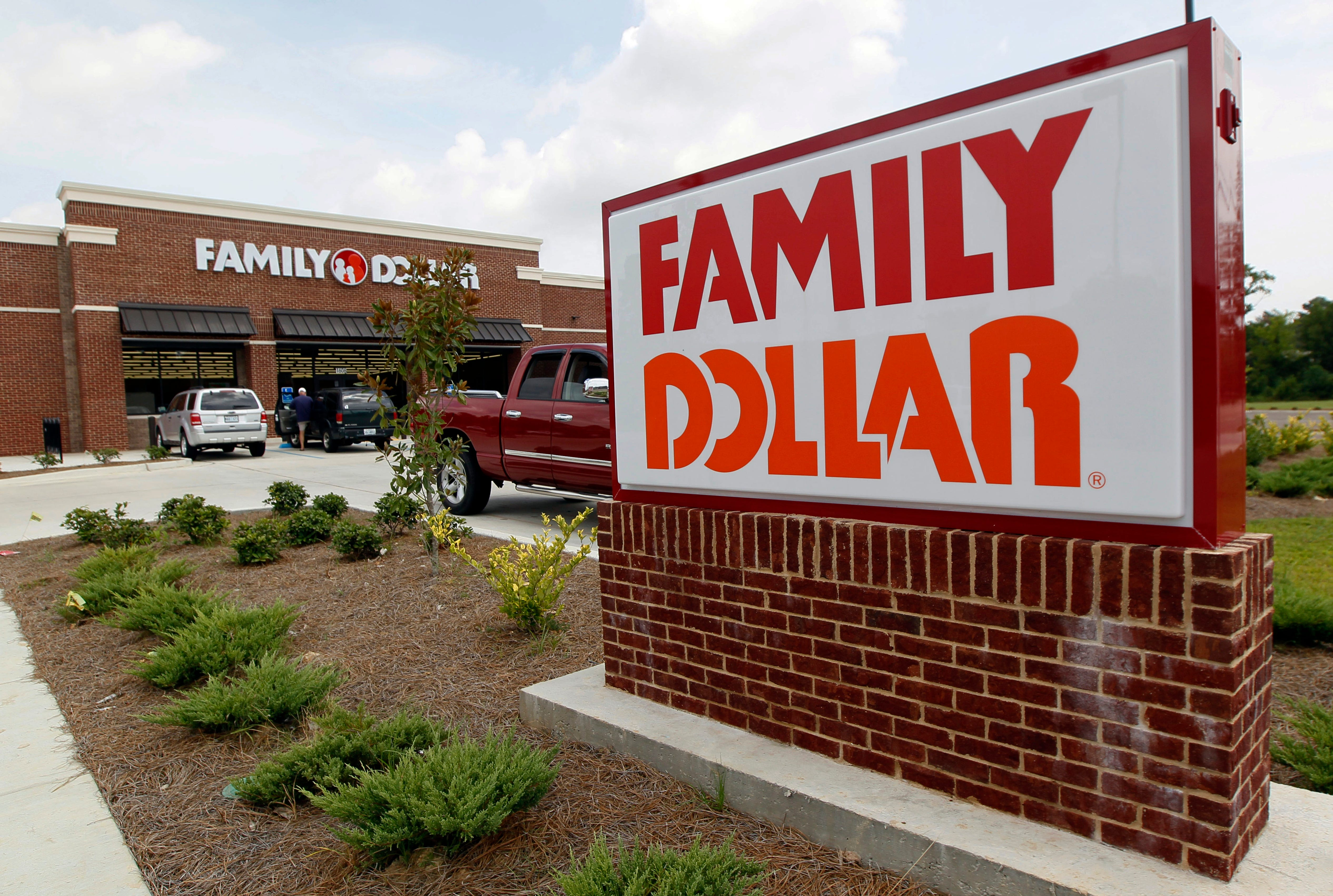 Family Dollar will close hundreds of stores