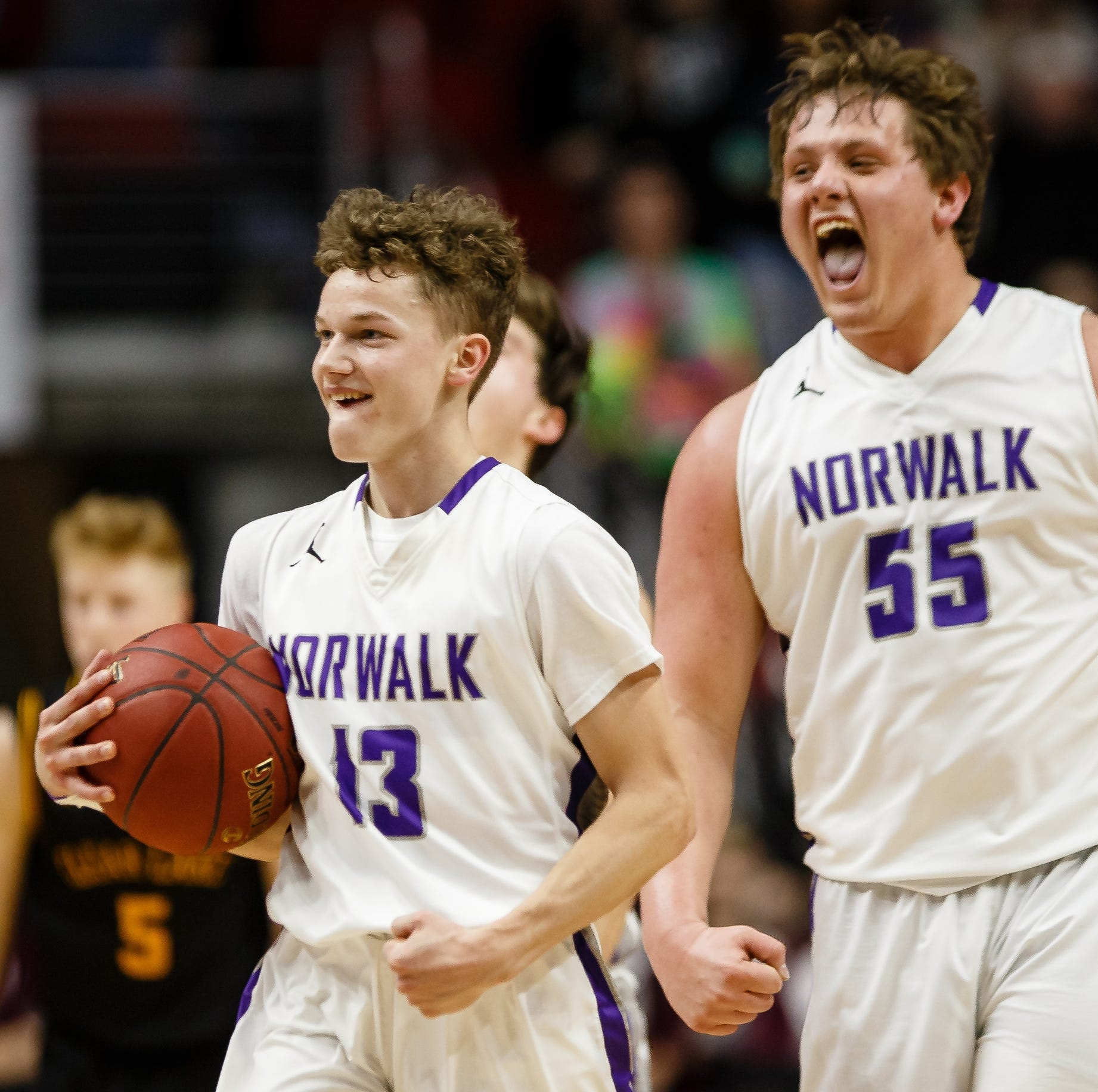 Class 3A semifinals: Norwalk's fourth-quarter rally sends Warriors to second state title game