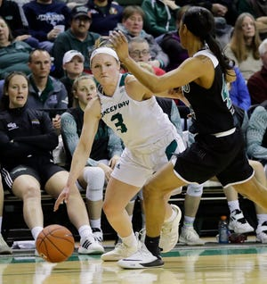 Frankie Wurtz, who was named to the Horizon League's preseason first team Thursday, averaged a team-high 10.5 points for the Phoenix last season.