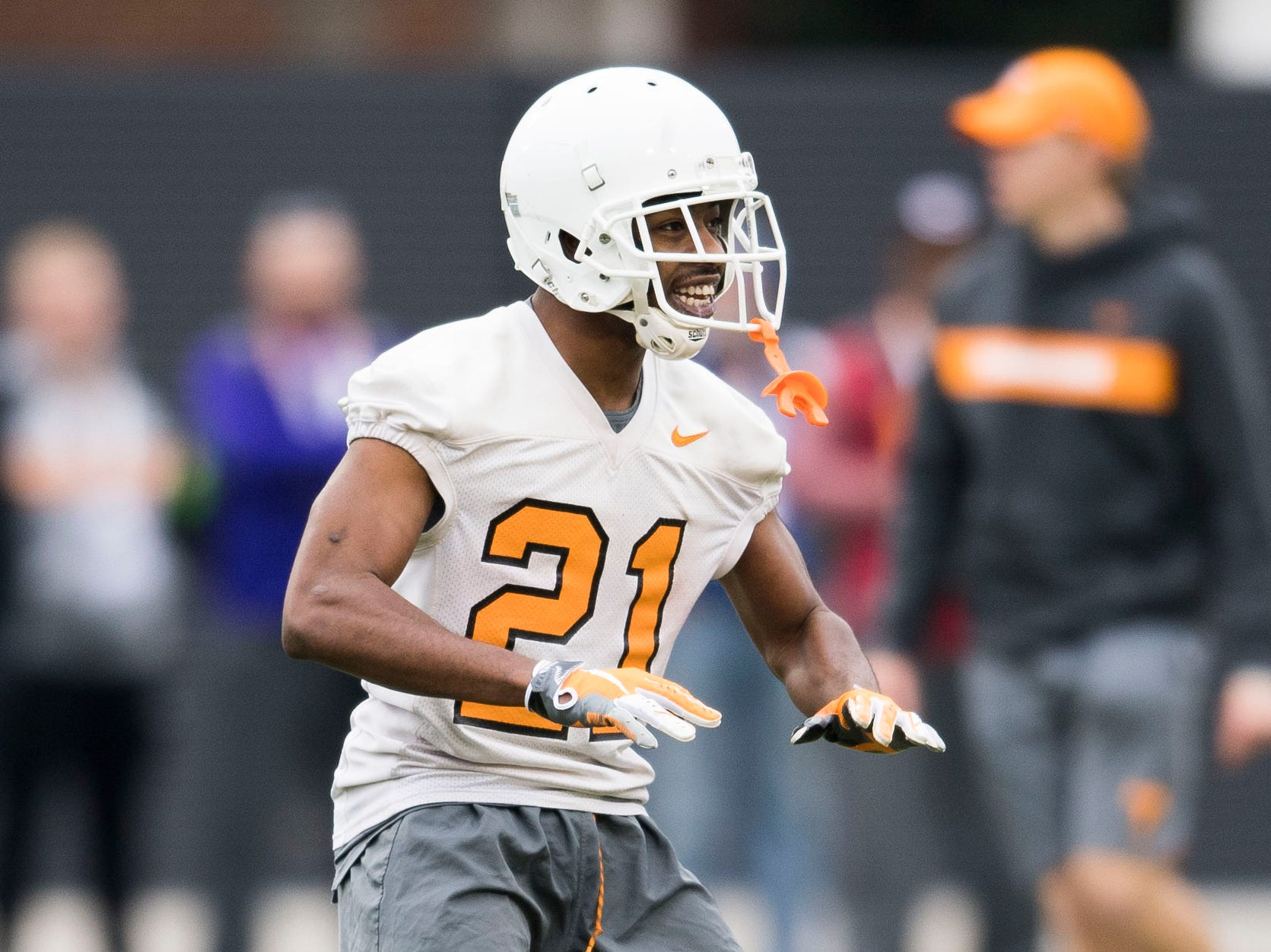 Tennessee's Jacquez Jones (21) participates in a drill during Tennessee football's first practice of the spring season at University of Tennessee Thursday, March 7, 2019.