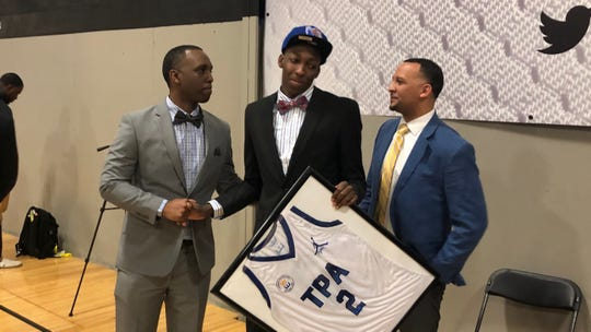 Tennessee Prep Academy guard Damion Baugh commits to Memphis.