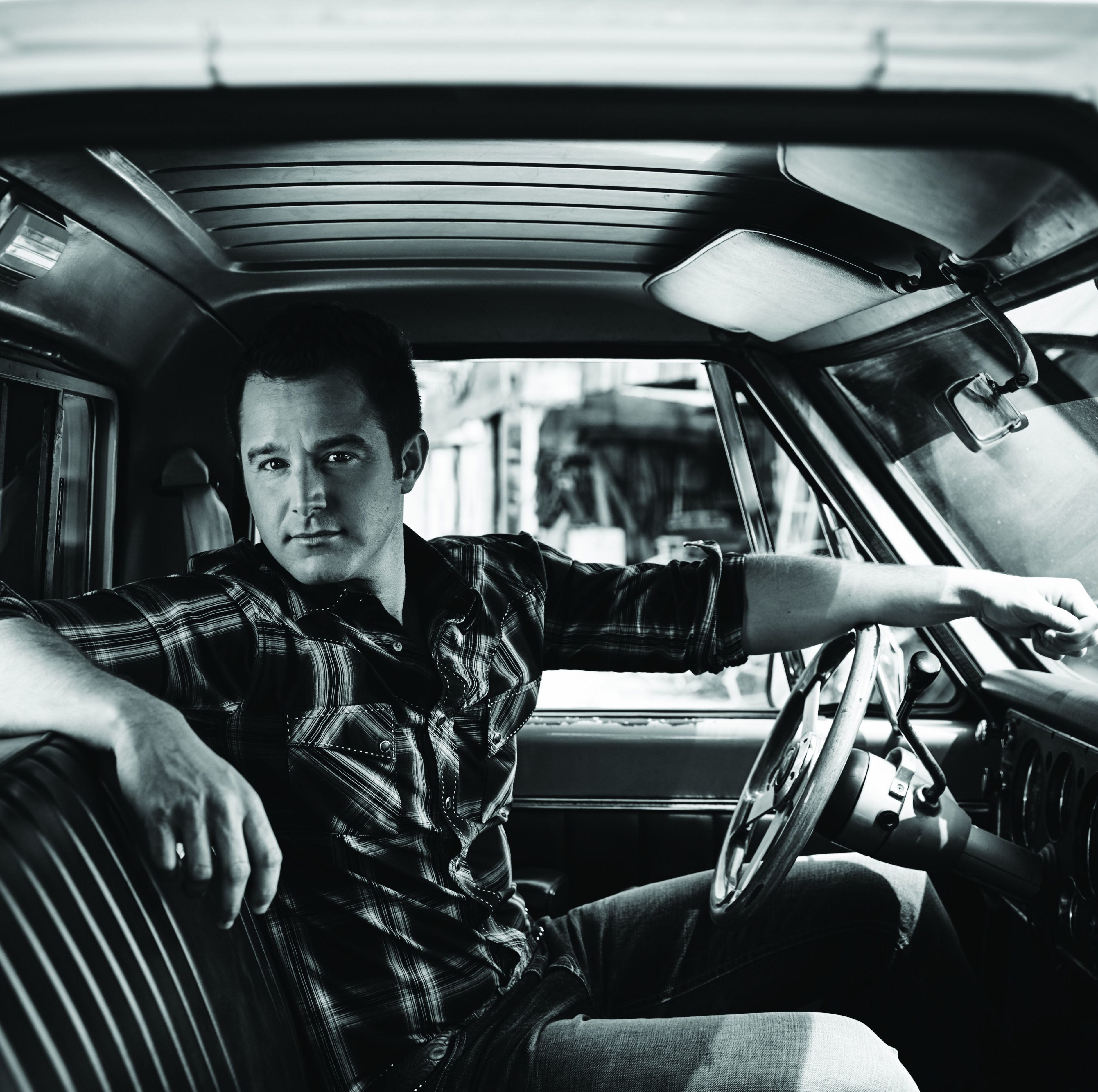 Easton Corbin to perform in Las Cruces; Bataan marchers can get in free