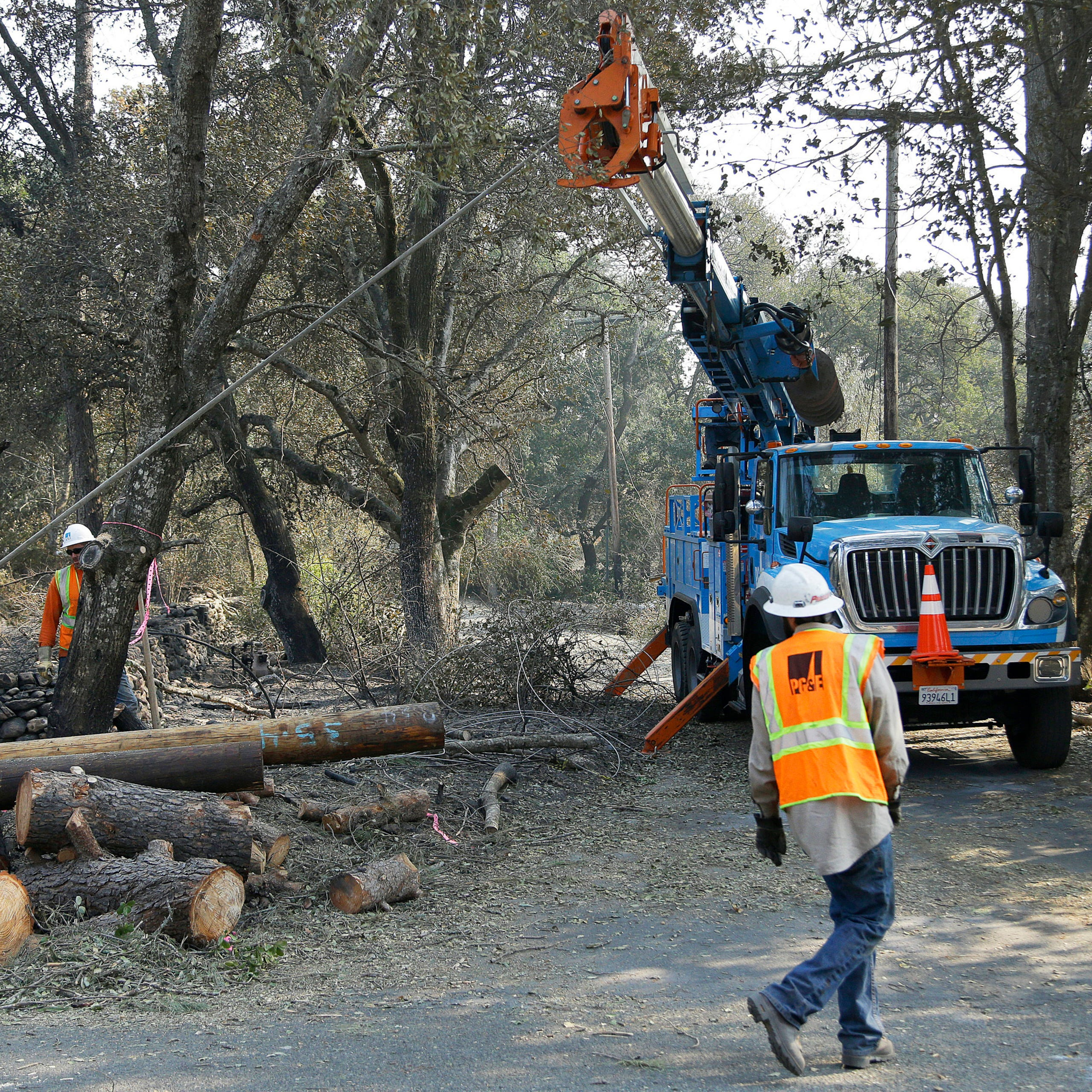 Bankrupt PG&E wants to give $235M in bonuses
