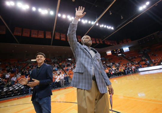 UTEP and NBA great Tim Hardaway thanks the crowd after being introduced at the final home game of the season Wednesday, March 6, 2019.