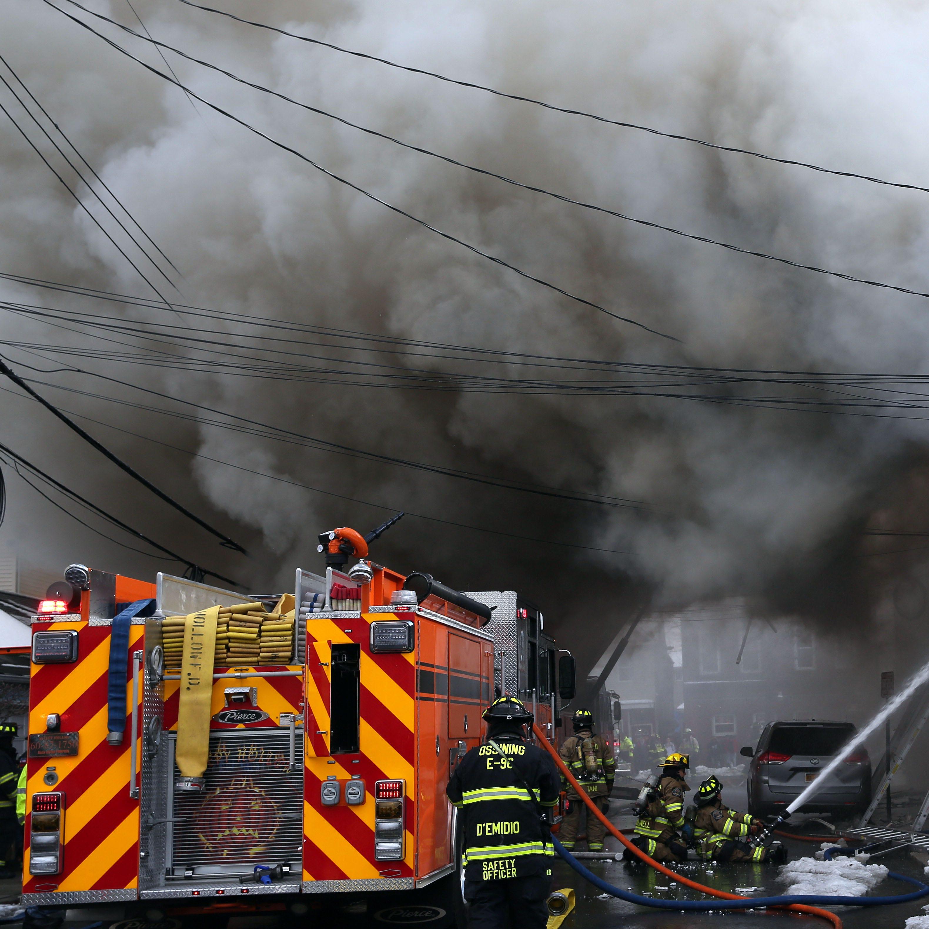 Firefighters battle smoky blaze in Sleepy Hollow; at least 27 homeless