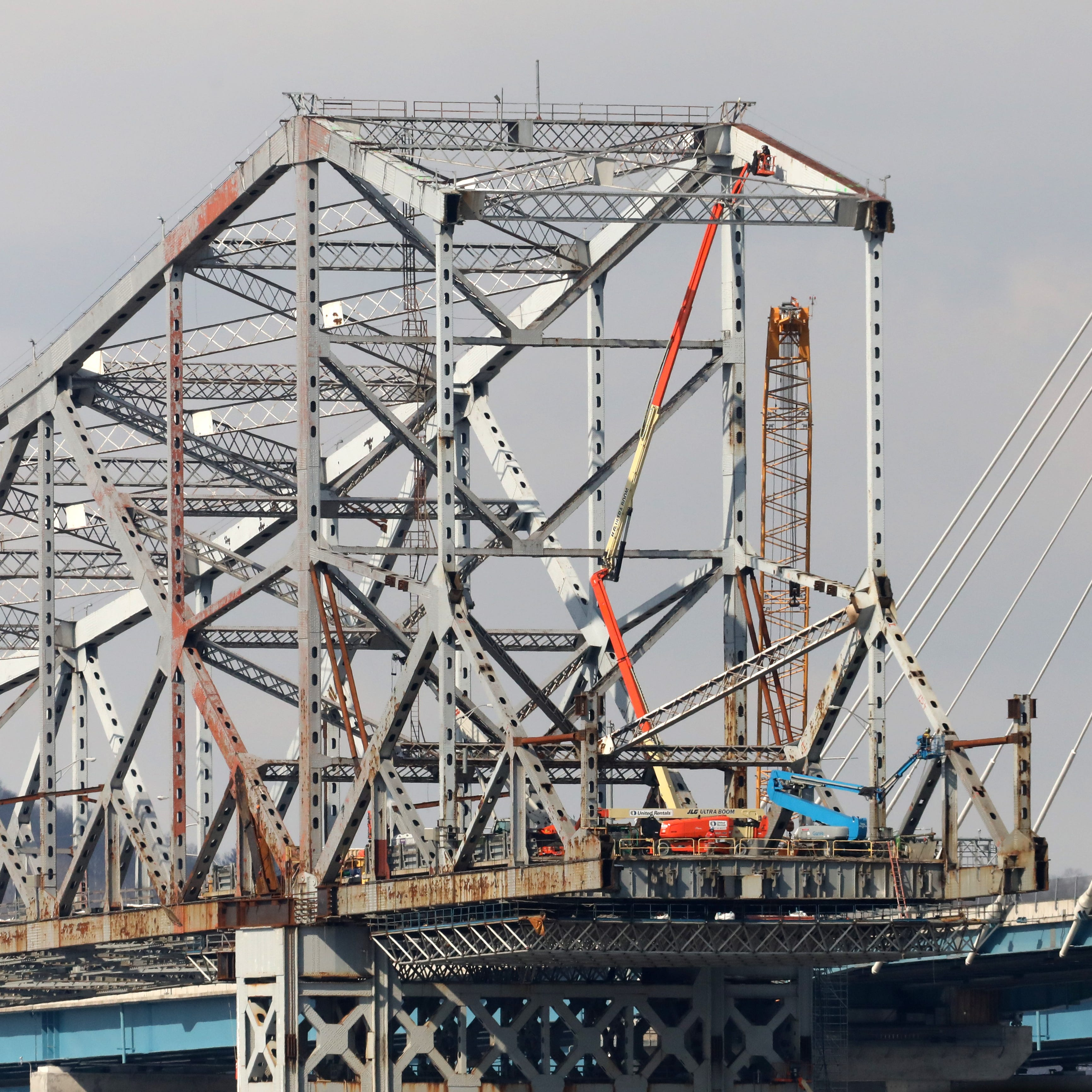 Last visible remnants of Tappan Zee Bridge are coming down now