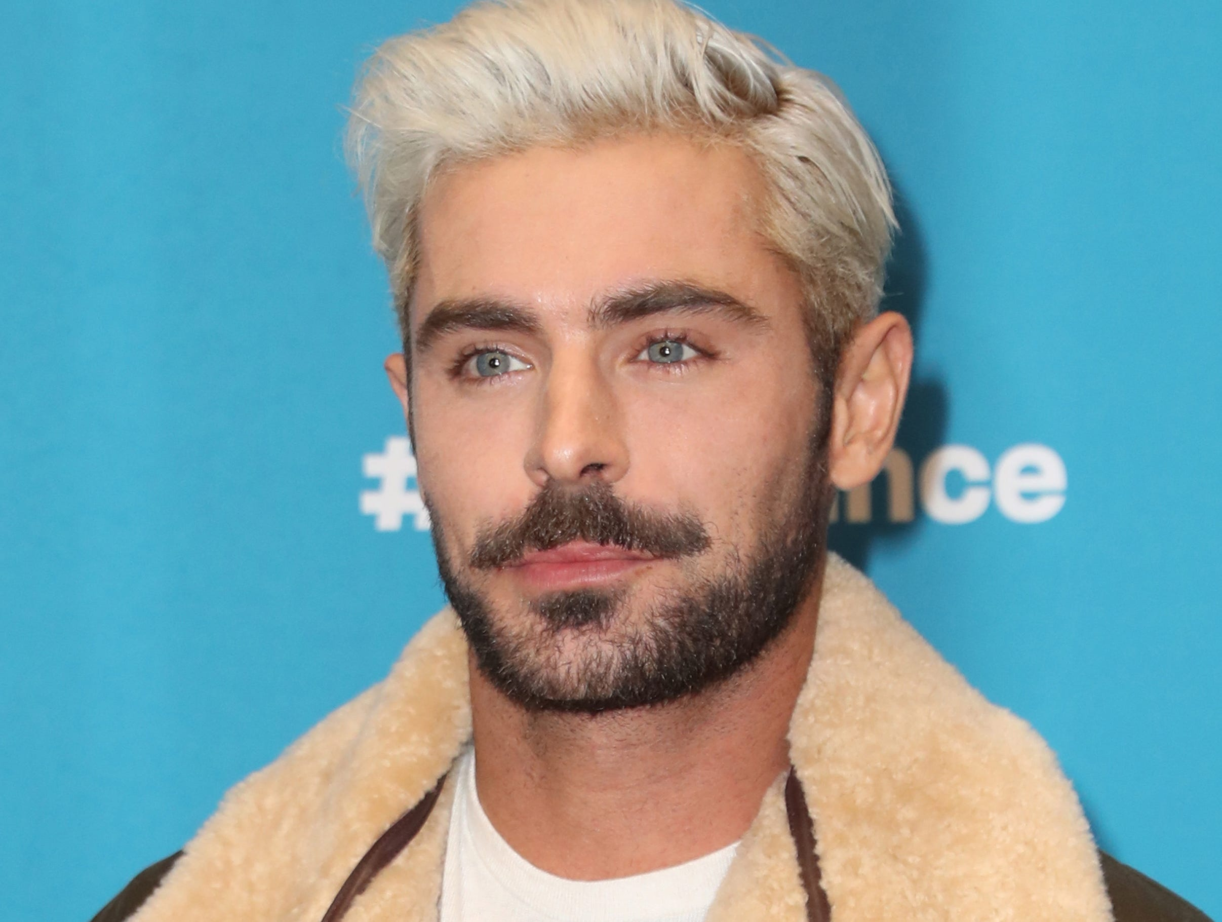 epa07323415 US actor Zac Efron arrives for the premiere of 'Extremely Wicked, Shockingly Evil and Vile' at the 2019 Sundance Film Festival in Park City, Utah, USA, 26 January 2019. The festival runs from 24 January to 02 February 2019.  EPA-EFE/GEORGE FREY ORG XMIT: GFX-Sundance-043