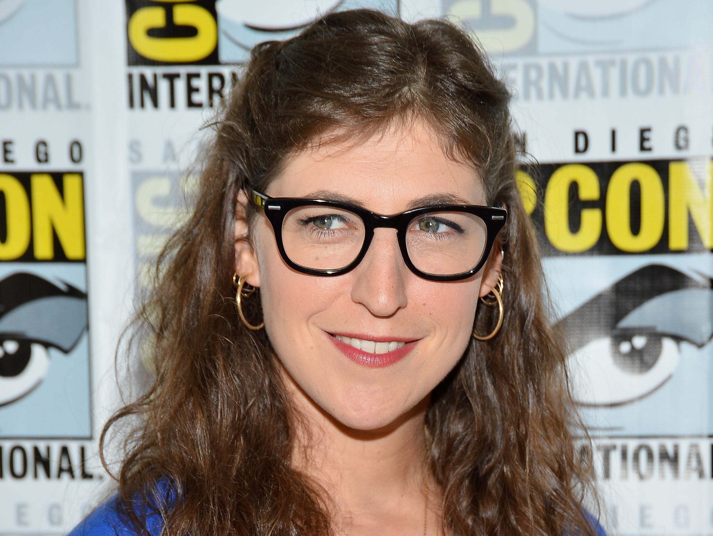 """ORG XMIT: 148188432 SAN DIEGO, CA - JULY 13:  Actress Mayim Bialik attends """"The Big Bang Theory"""" Press Room during Comic-Con International 2012 held at the Hilton San Diego Bayfront Hotel on July 13, 2012 in San Diego, California.  (Photo by Frazer Harrison/Getty Images) ORIG FILE ID: 148312757"""