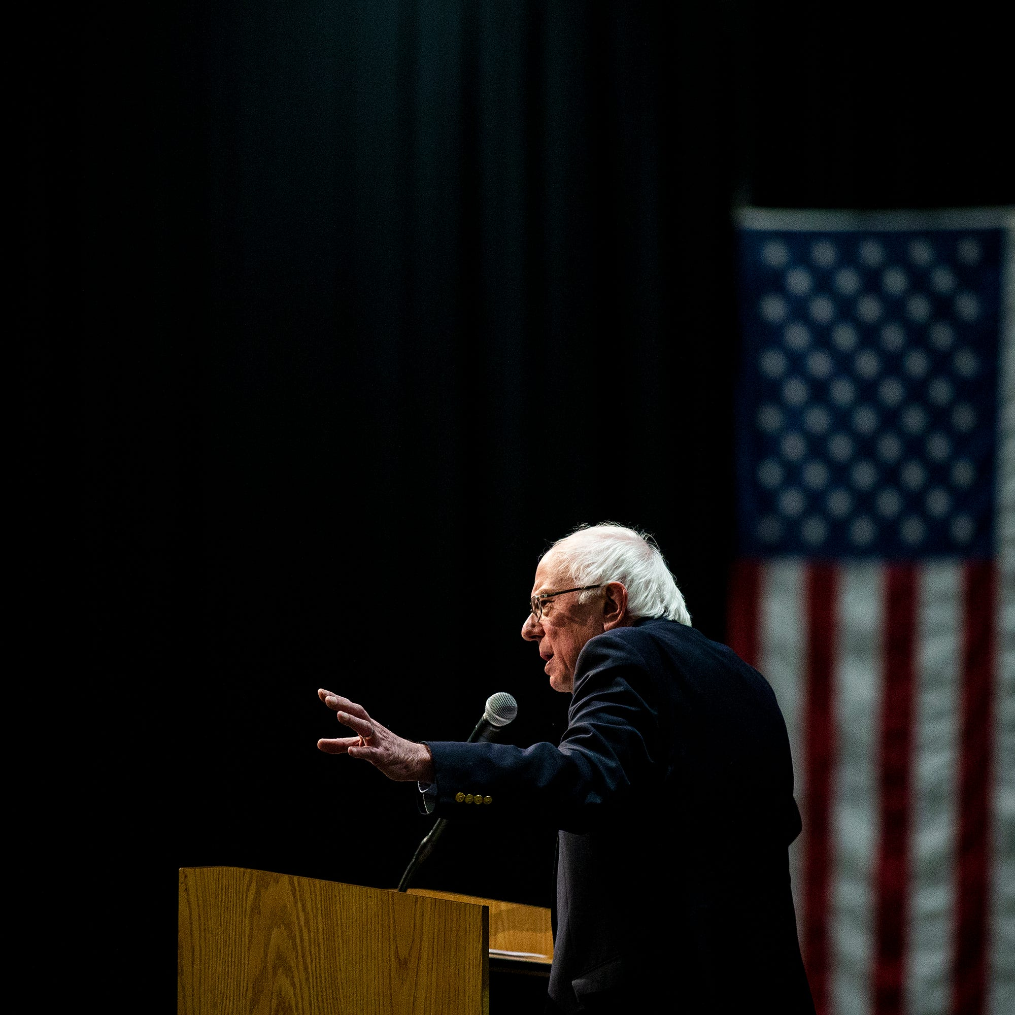 Iowa caucuses 2020: Frontrunner Bernie Sanders brings his 'political revolution' back to Iowa