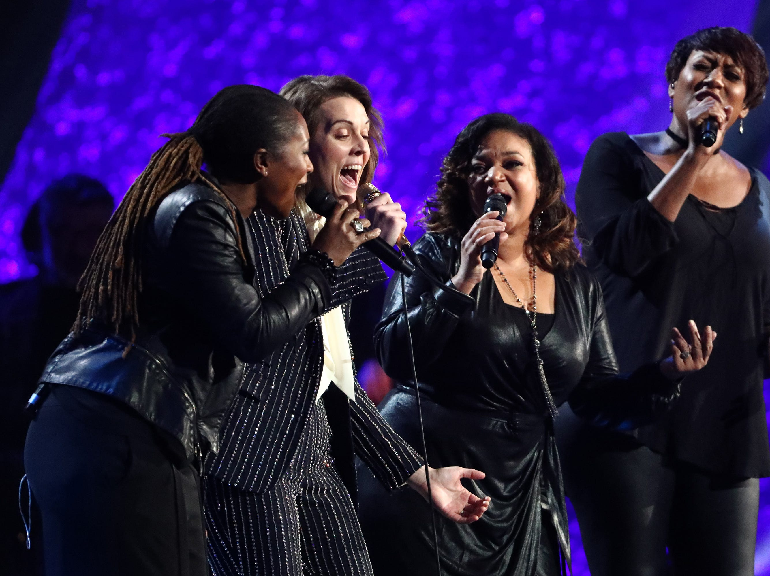 """LOS ANGELES, CA - JANUARY 13:  Brandi Carlile (second from left) performs at """"Aretha! A Grammy Celebration For the Queen Of Soul"""" at the Shrine Auditorium on Jan. 13, 2019, in Los Angeles, Calif."""