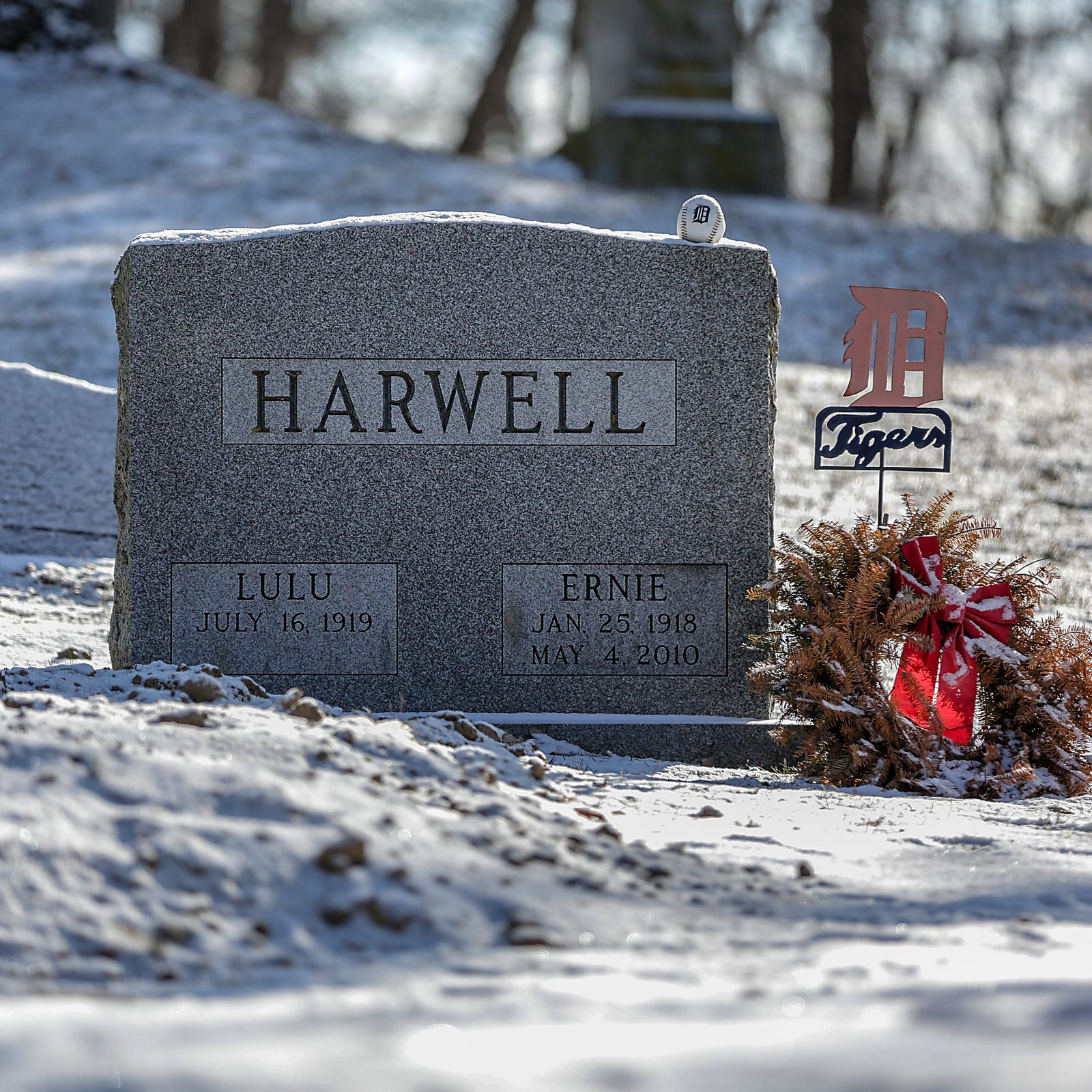 Ernie Harwell's estate drained by family infighting