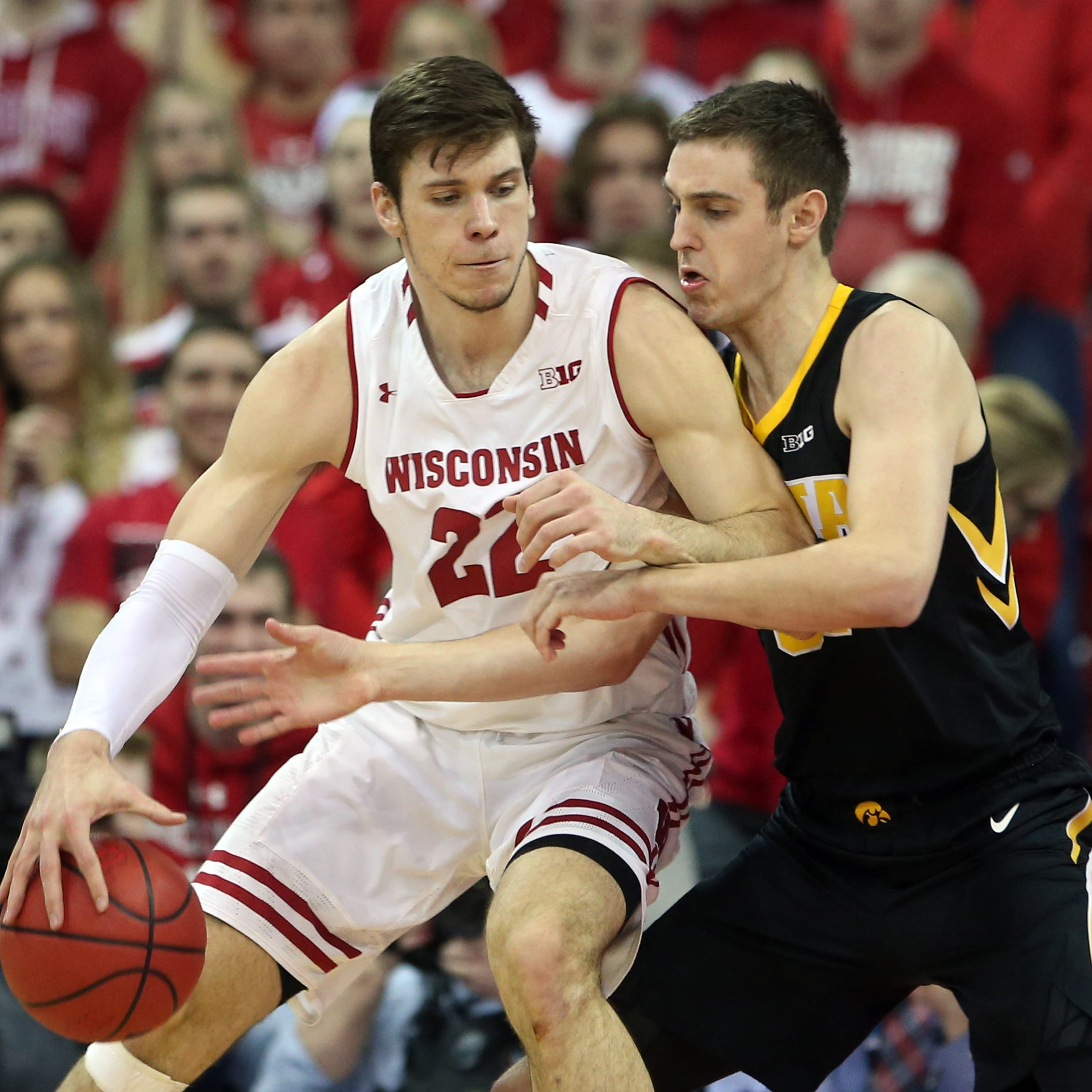 Leistikow: Making sense of Iowa basketball season that's gone off the rails