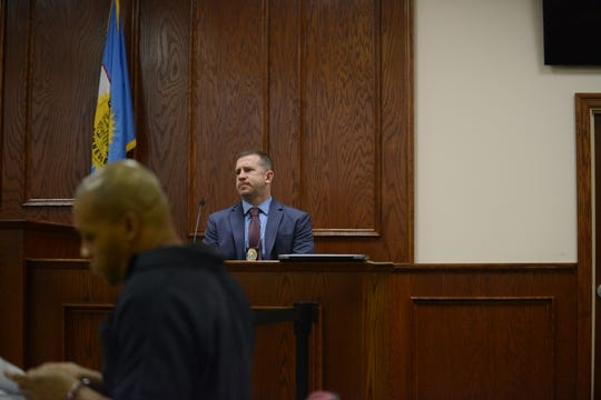 Jackson Police Department Investigator Robert Groves testifies during the preliminary hearing for the shooting of Tavoris Bate in Jackson, Tenn. on March 7, 2019.