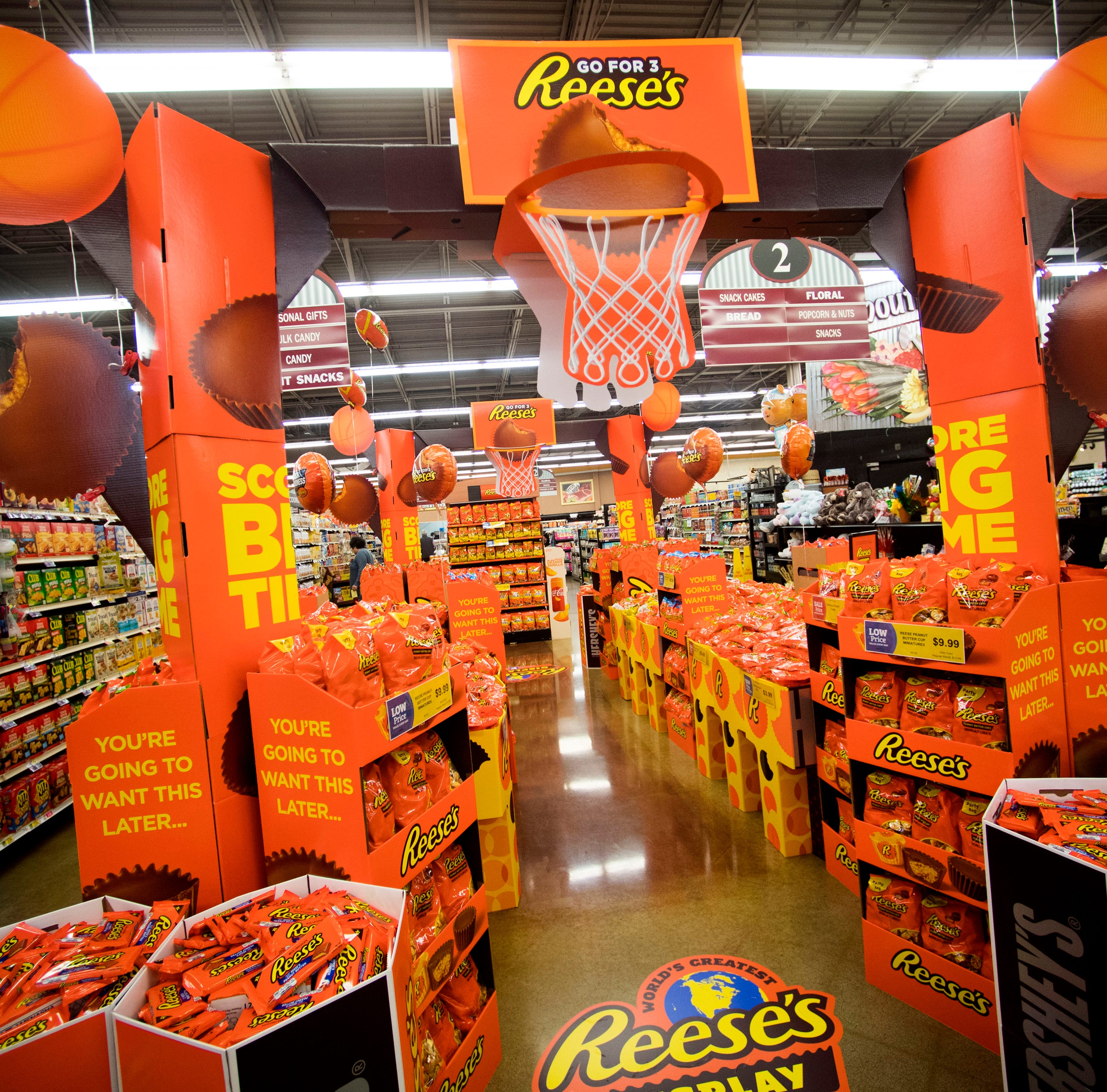 World's Greatest Reese's Display, with 1 million candies, comes to Knoxville Food City