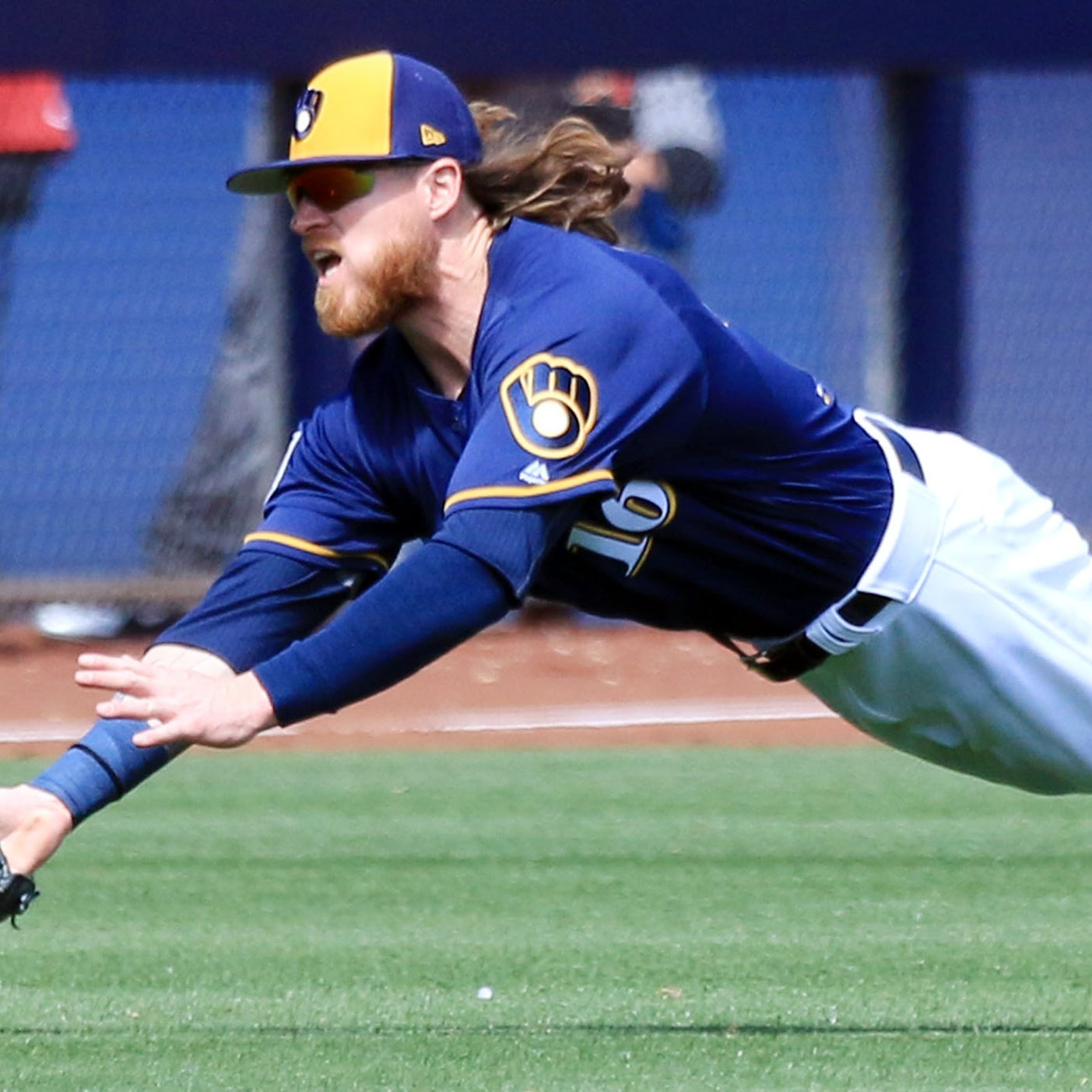 Brewers opt for depth in the outfield by keeping Ben Gamel to round out the bench