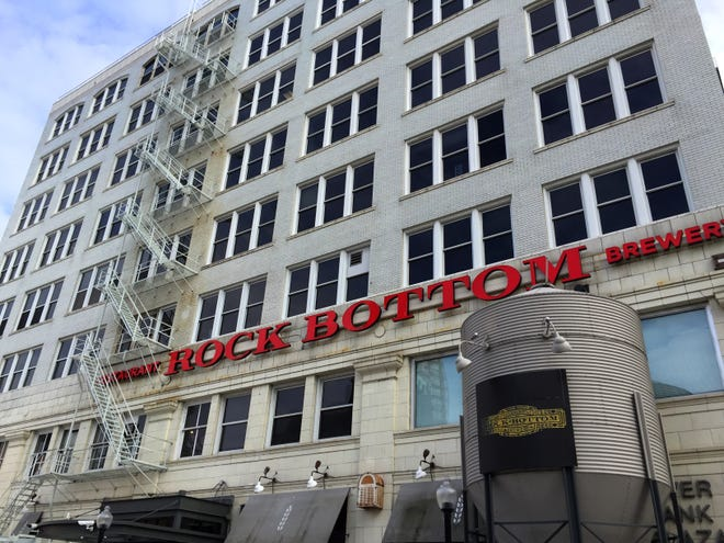 Health inspectors on Monday allowed the Rock Bottom Restaurant & Brewery to re-open after ordering the downtown Milwaukee dining spot closed for more than three days because of a cockroach problem.