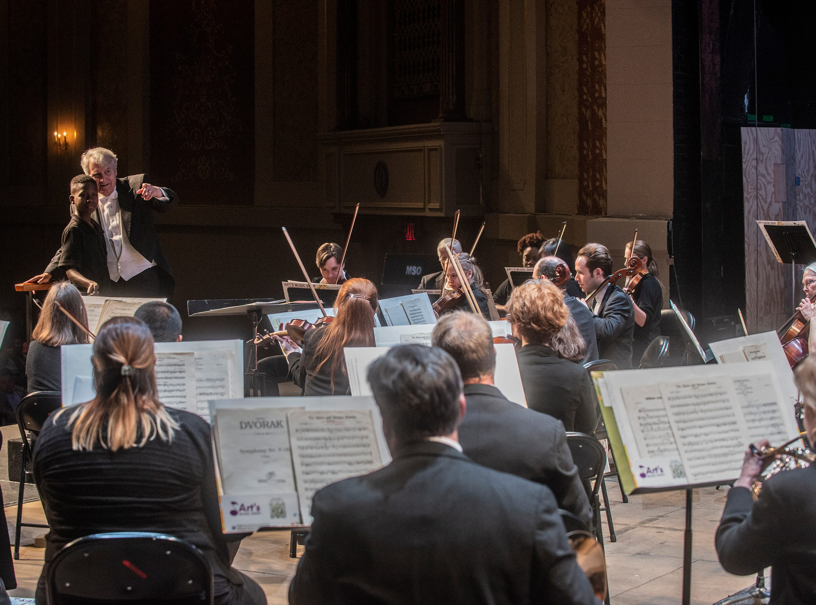 On Thursday, March 7, 2019, the Montgomery Symphony Orchestra performed two free concerts at the Davis Theatre for area 6th grade students. Maestro Thomas Hinds invites a student from each school to come to the stage to try the role of conductor.