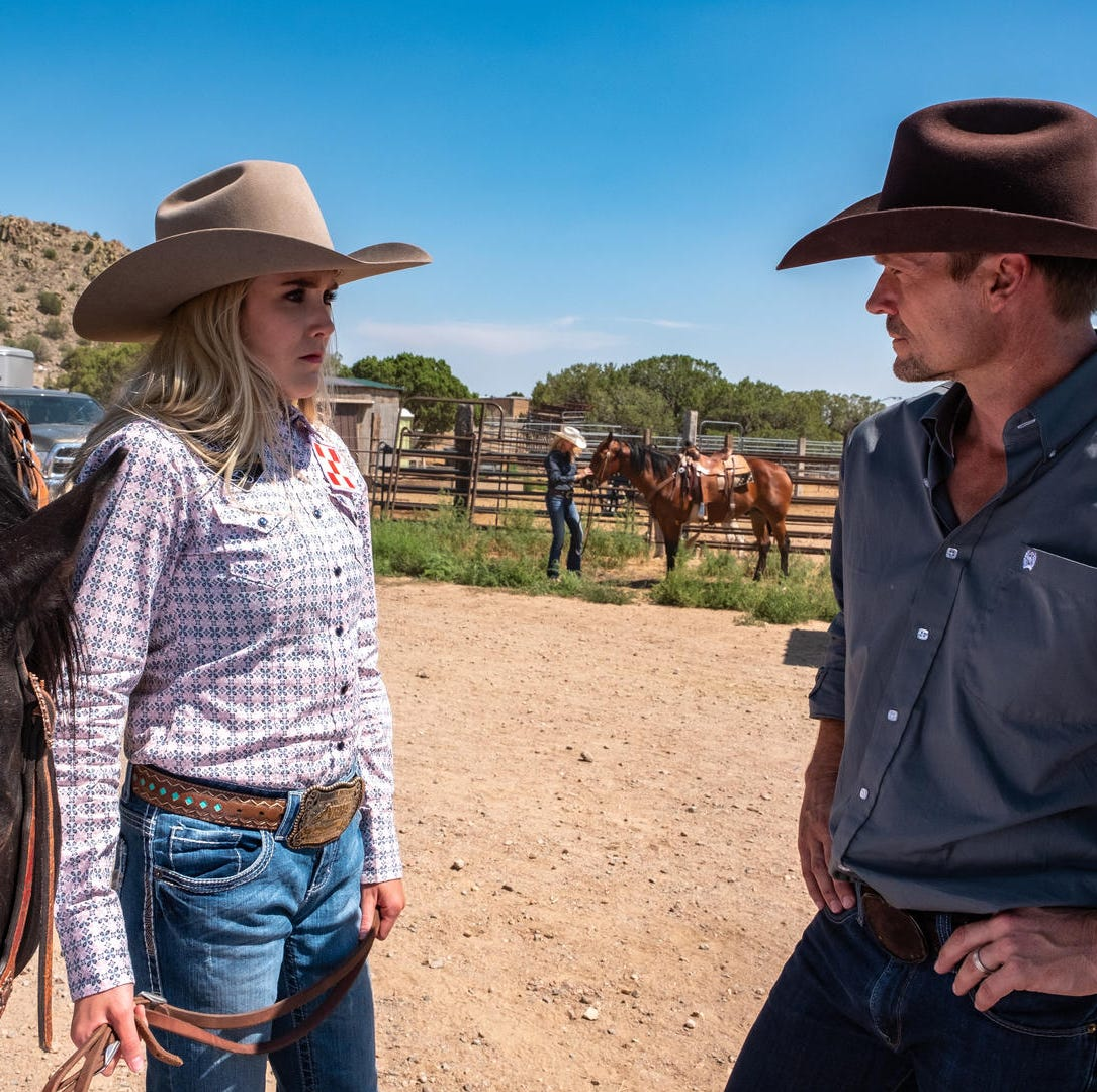 Actor Bailey Chase, who grew up in Naples, discusses 'Longmire' role, new Netflix movie