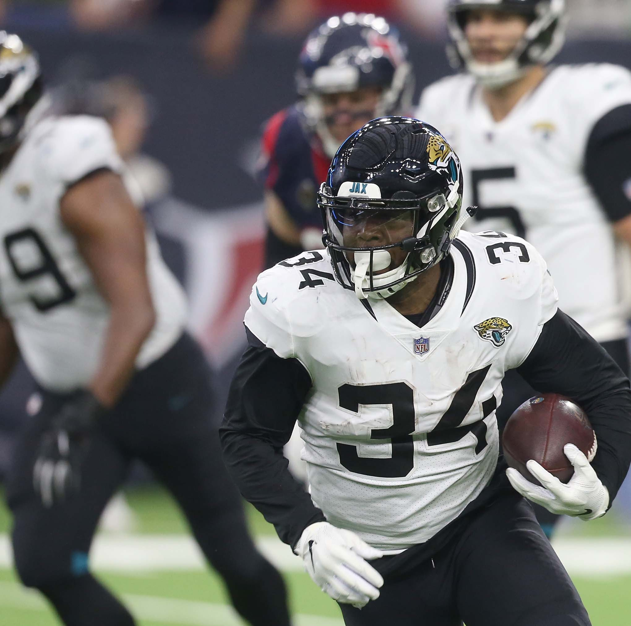 Former Naples High star Carlos Hyde cut by Jaguars