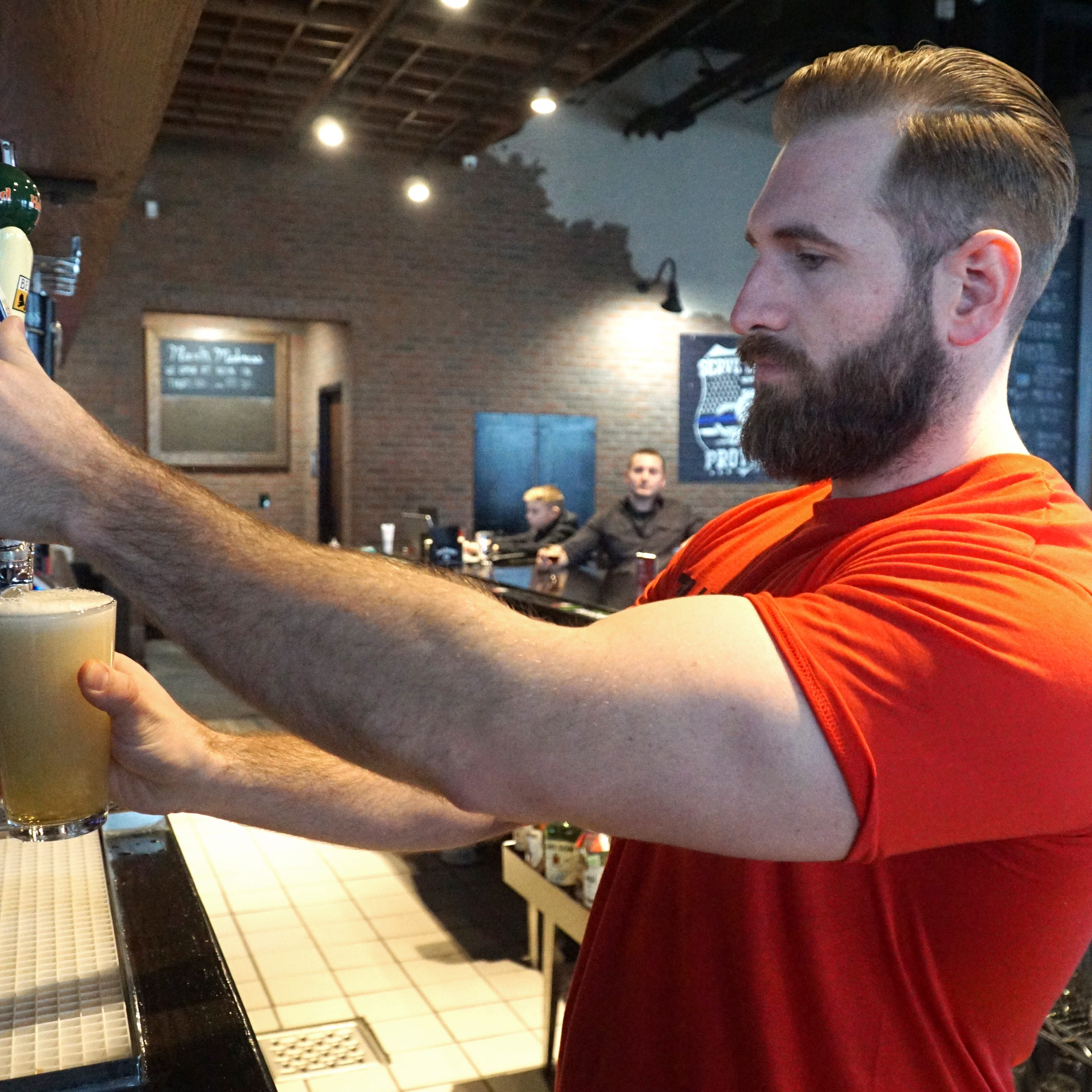 Cheers! 5th Avenue in Novi opens under new ownership